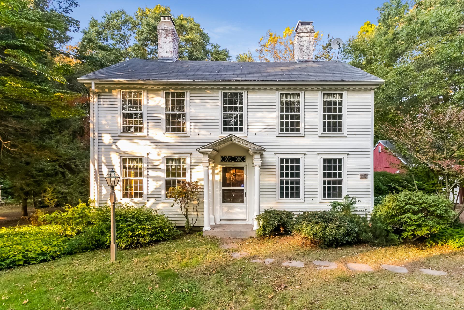 Nhà ở một gia đình vì Bán tại 36 Waterside Ln Clinton, Connecticut, 06413 Hoa Kỳ