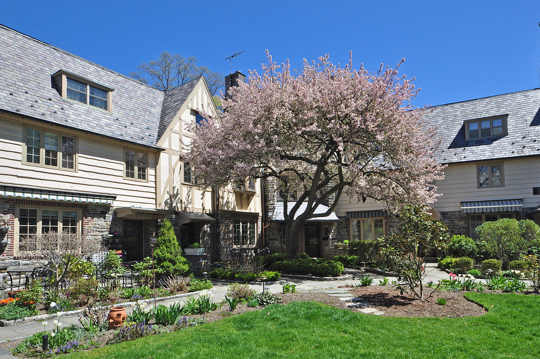 rentals property at 6 Merestone Terrace
