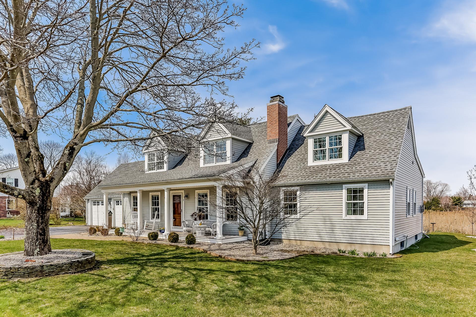 Nhà ở một gia đình vì Bán tại Spectacular marsh and river views! 3 Indian Dr Clinton, Connecticut, 06413 Hoa Kỳ
