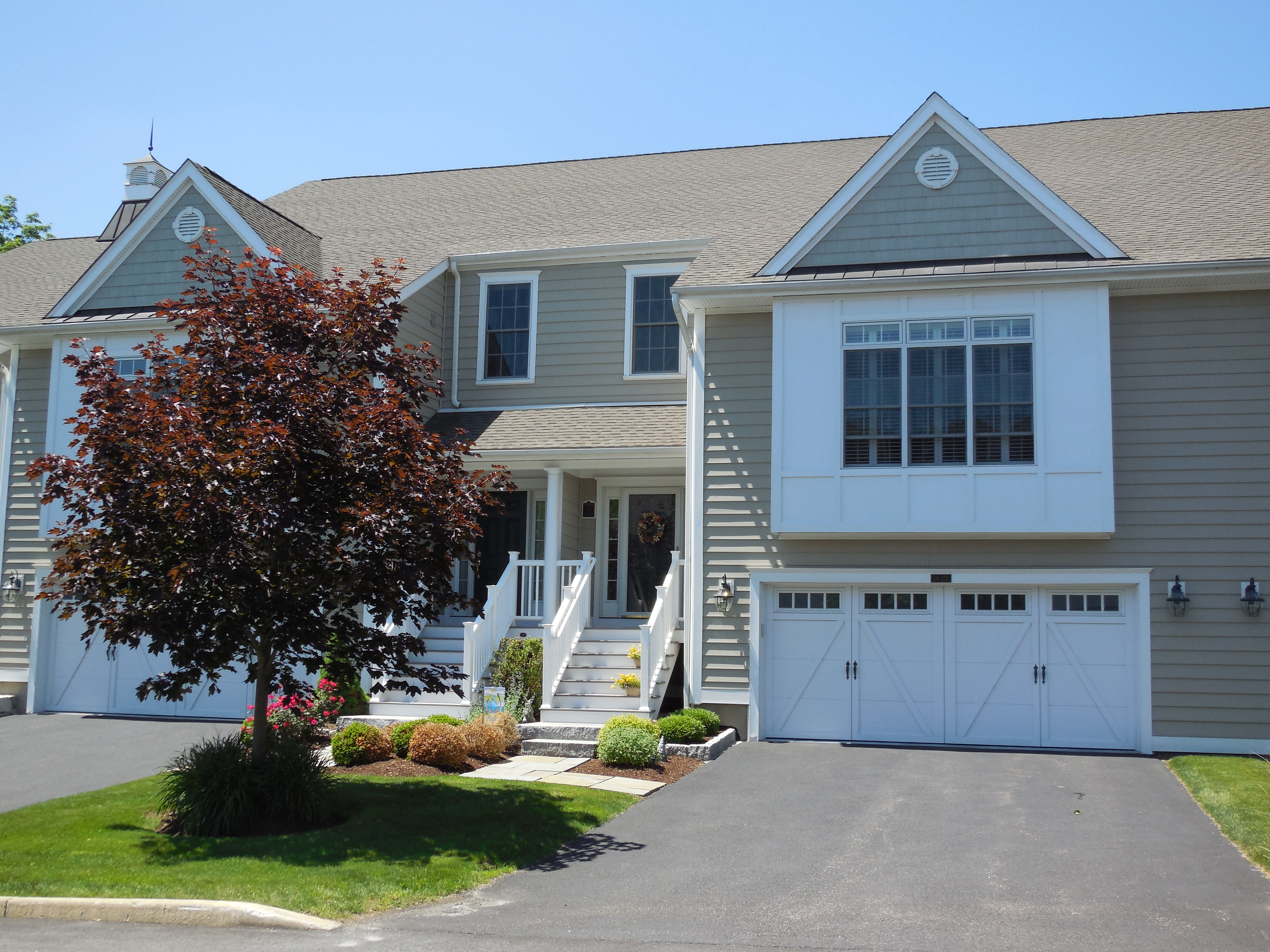 Townhouse for Sale at Stunning Newbury Village Townhouse 36 Great Heron Lane 36 Brookfield, Connecticut 06804 United States