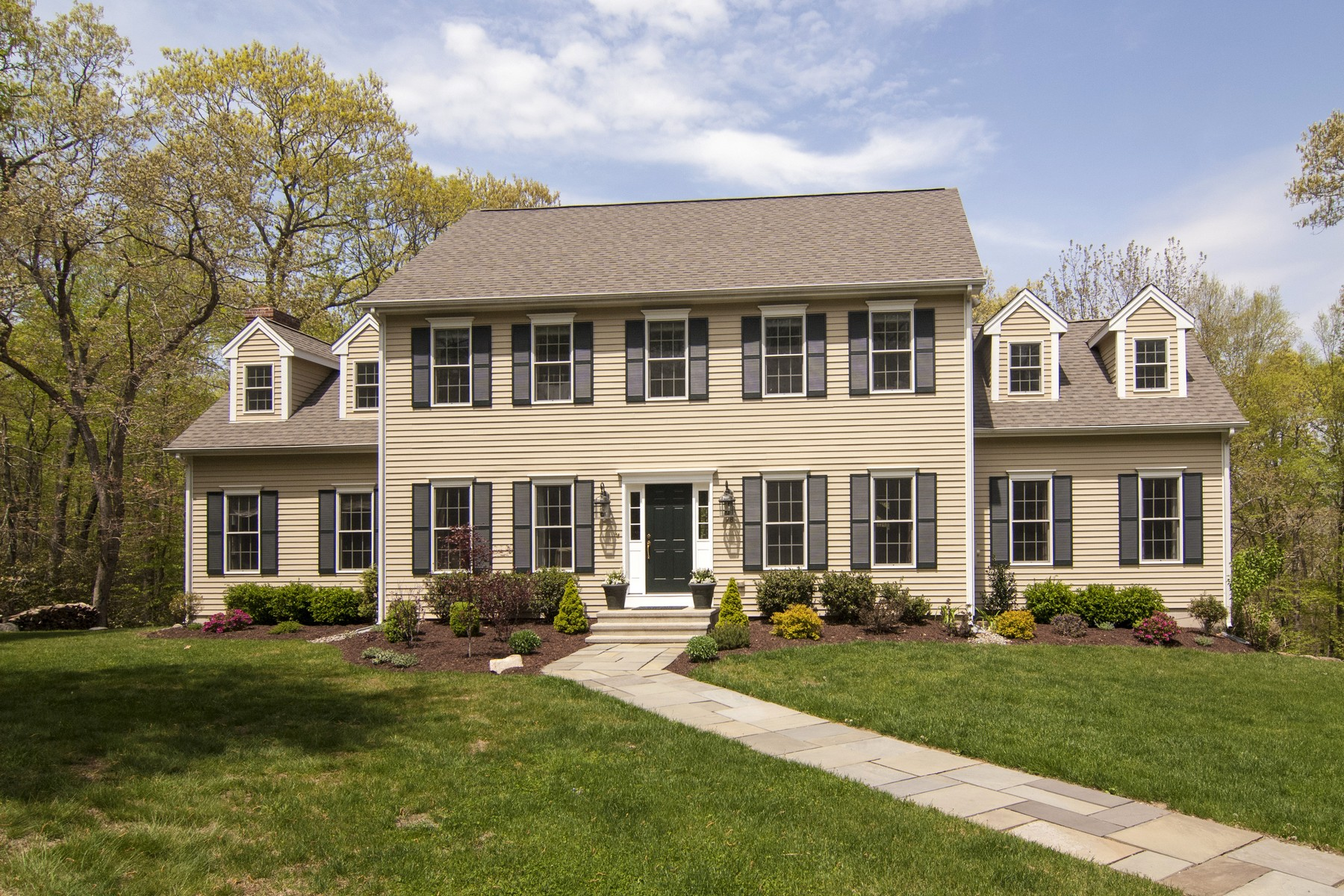 Single Family Home for Sale at Ideally Located! Close to Essex & Deep River Villages 78 Meadow Woods Rd Deep River, Connecticut 06417 United States