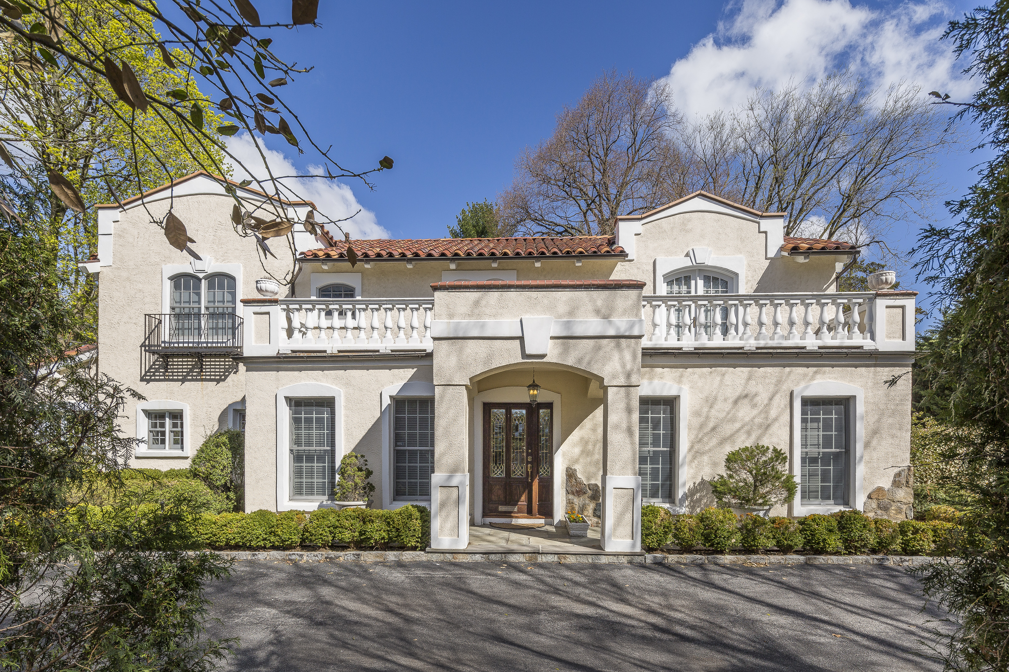 Single Family Home for Sale at Village Mediterranean 345 Pondfield Road Bronxville, New York 10708 United States