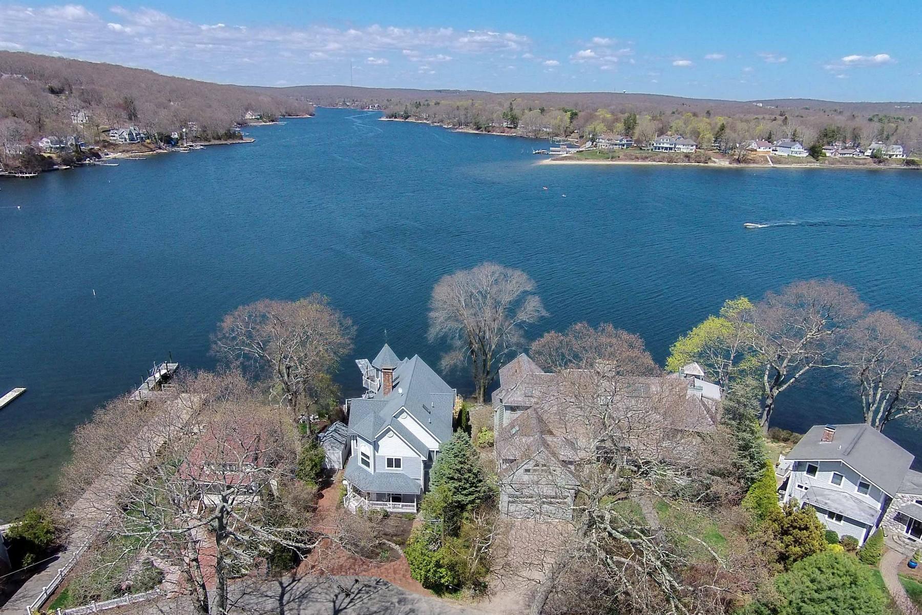 独户住宅 为 销售 在 A Water Lover's Dream 28 Bishops Bay Road 东莱姆, 康涅狄格州, 06357 美国