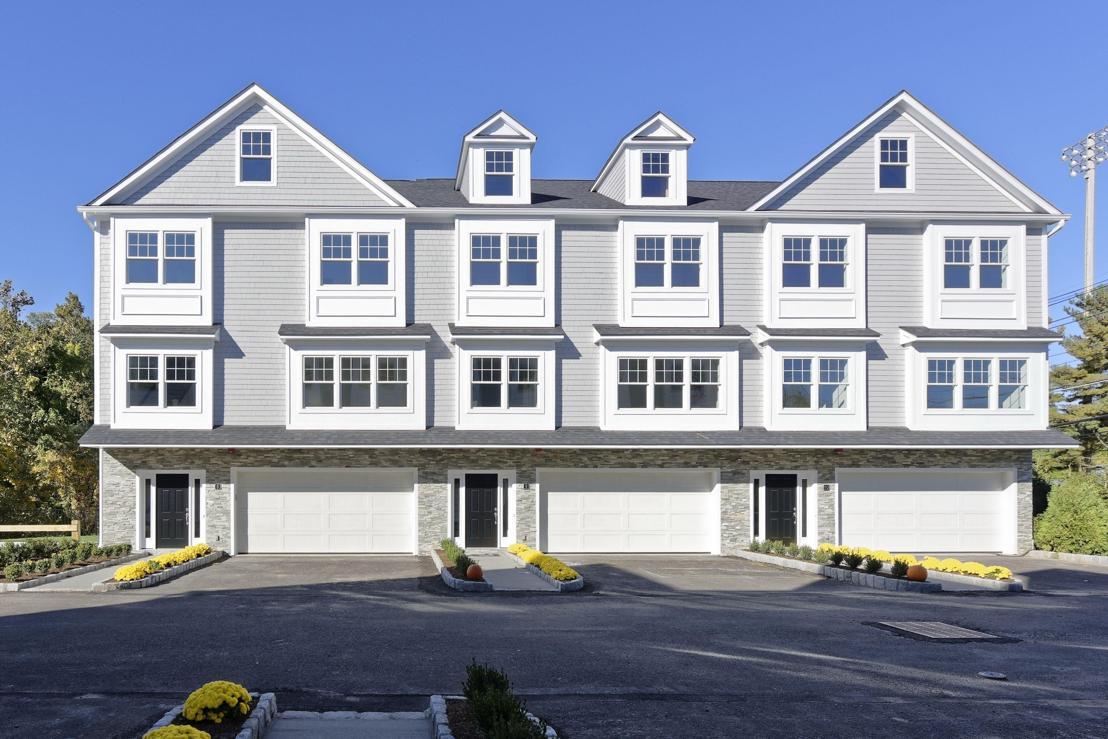 sales property at New luxury town homes