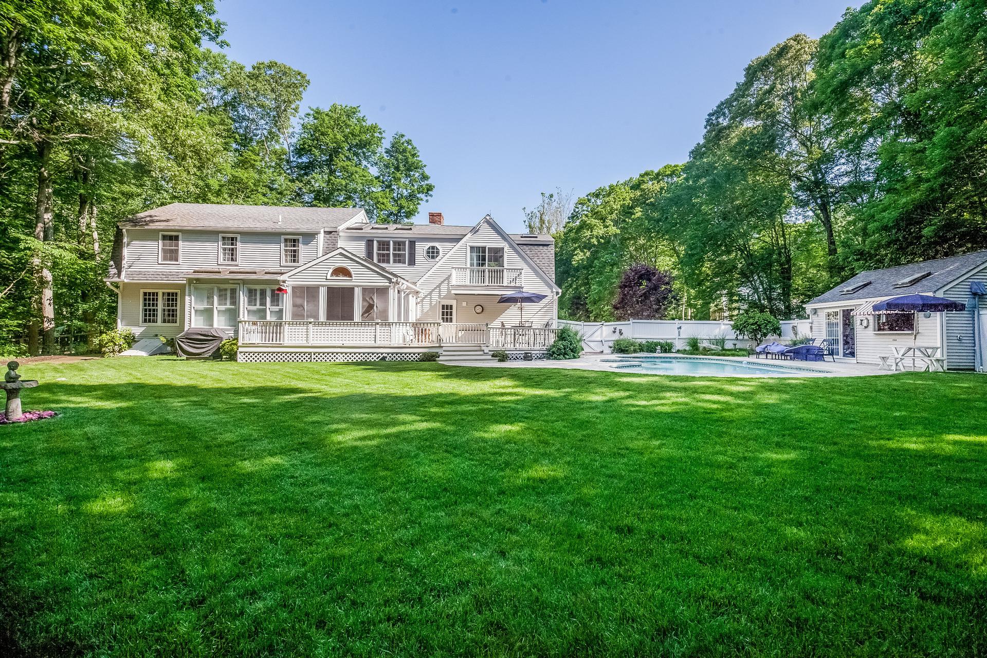 Maison unifamiliale pour l Vente à 6 Pheasant Ln Madison, Connecticut, 06443 États-Unis