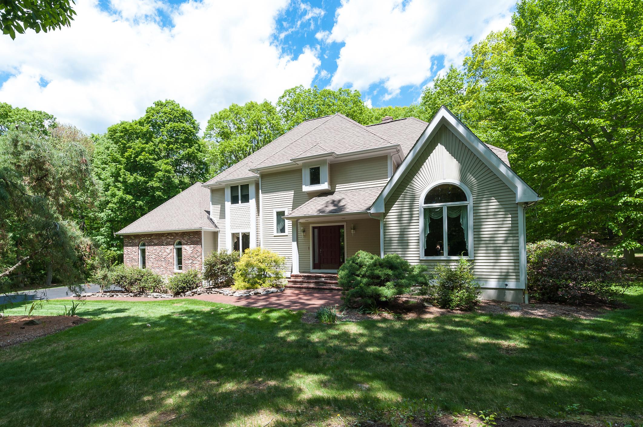 Casa Unifamiliar por un Venta en 34 Hidden Springs Rd Madison, Connecticut 06443 Estados Unidos