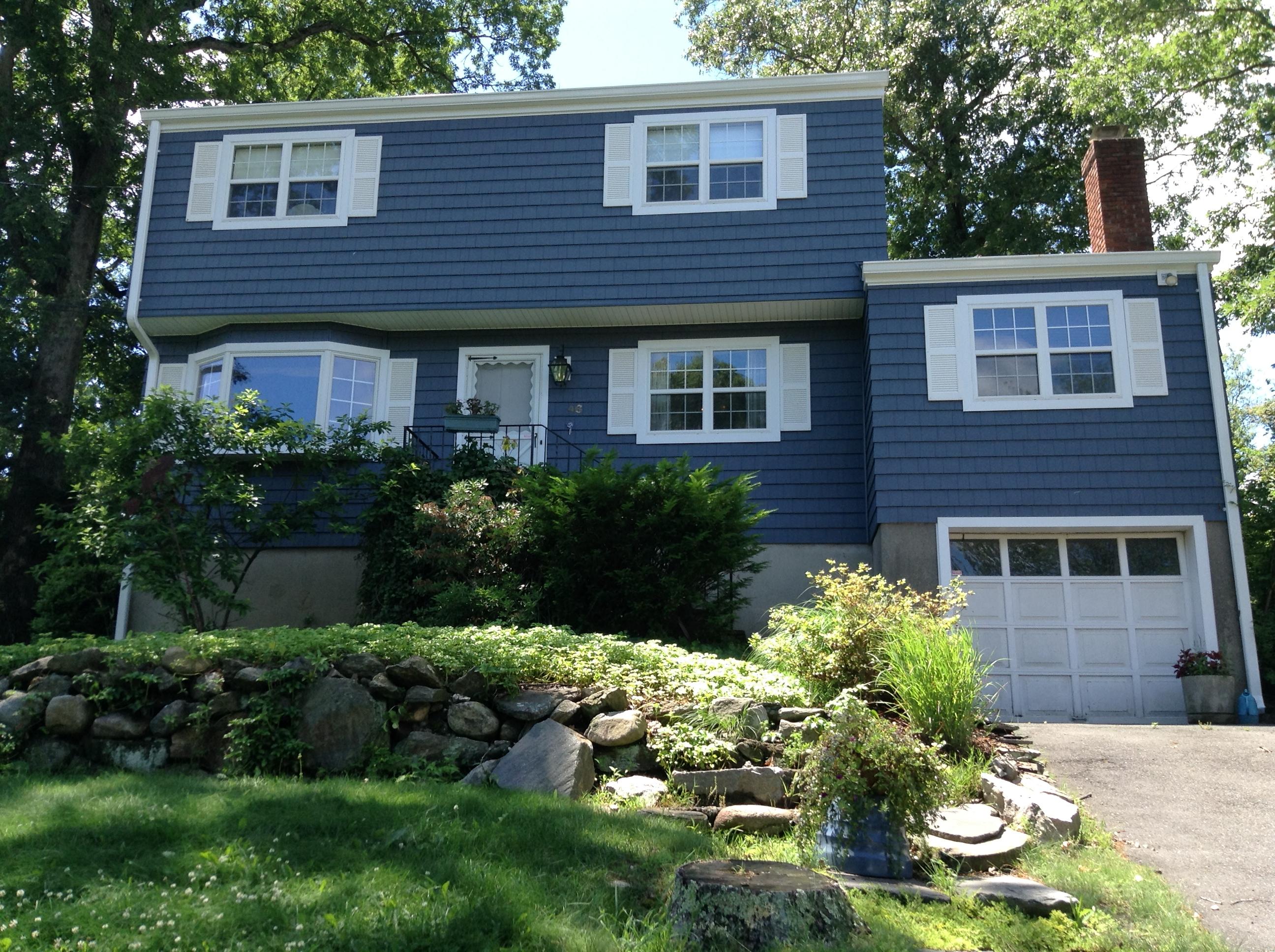 獨棟家庭住宅 為 出售 在 Center Hall Colonial 46 Ledgewood Drive Norwalk, 康涅狄格州 06850 美國