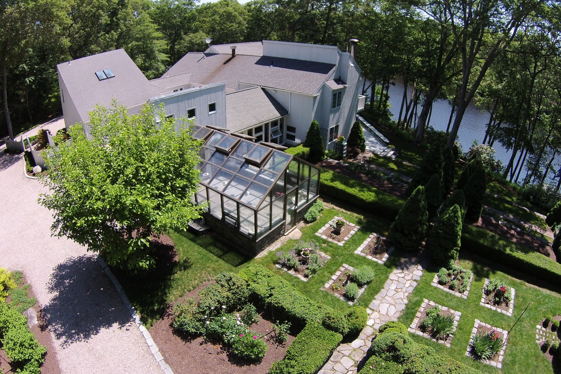 Vivienda unifamiliar por un Venta en 10 Acres Direct Waterfront With Guest House Lyme, Connecticut 06371 Estados Unidos