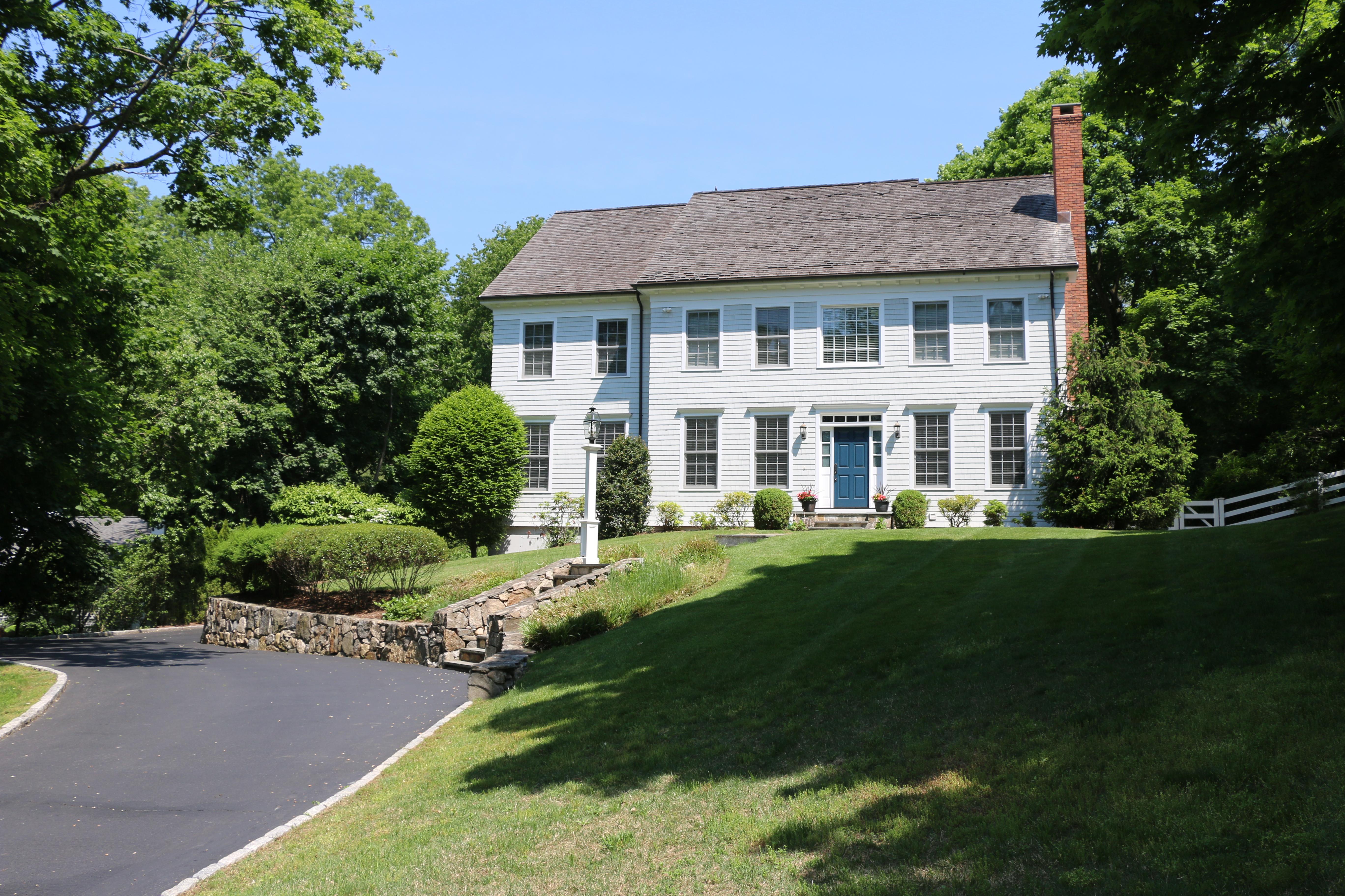獨棟家庭住宅 為 出售 在 Colonial 4 Ambler Road West Westport, 康涅狄格州, 06880 美國