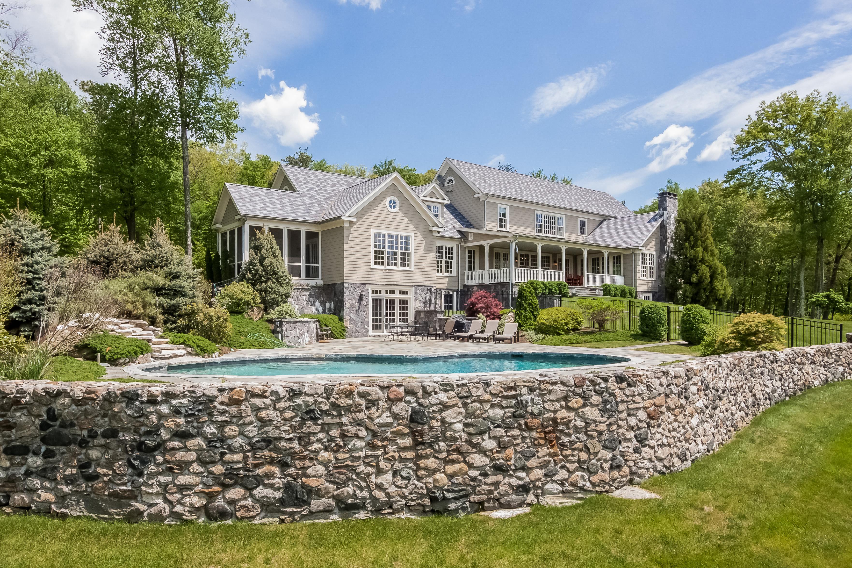 独户住宅 为 销售 在 Bella Vista 24 Ranney Hill Rd 罗克斯伯里, 康涅狄格州 06783 美国