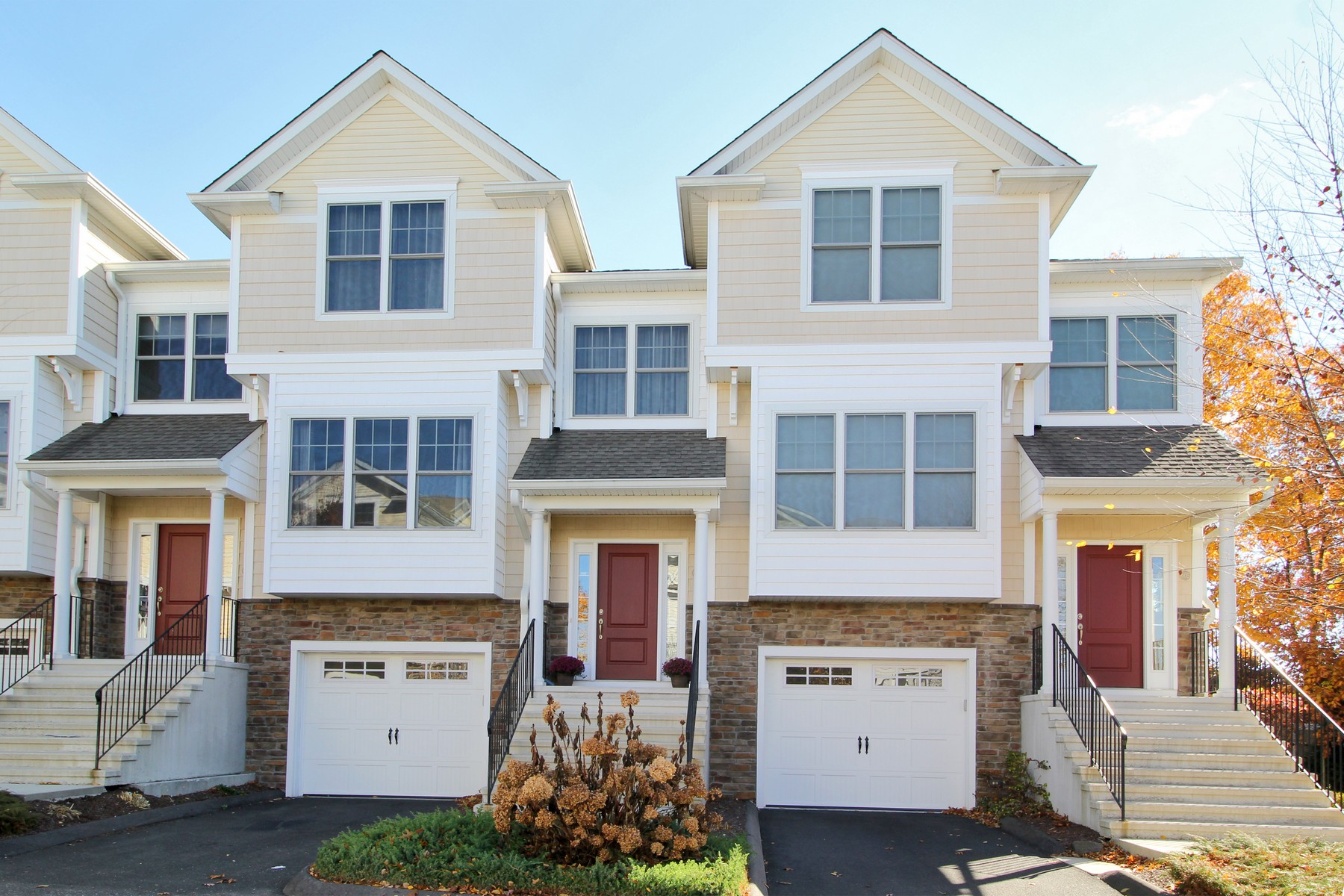 Property For Sale at Desirable Woodland Hills Custom Unit