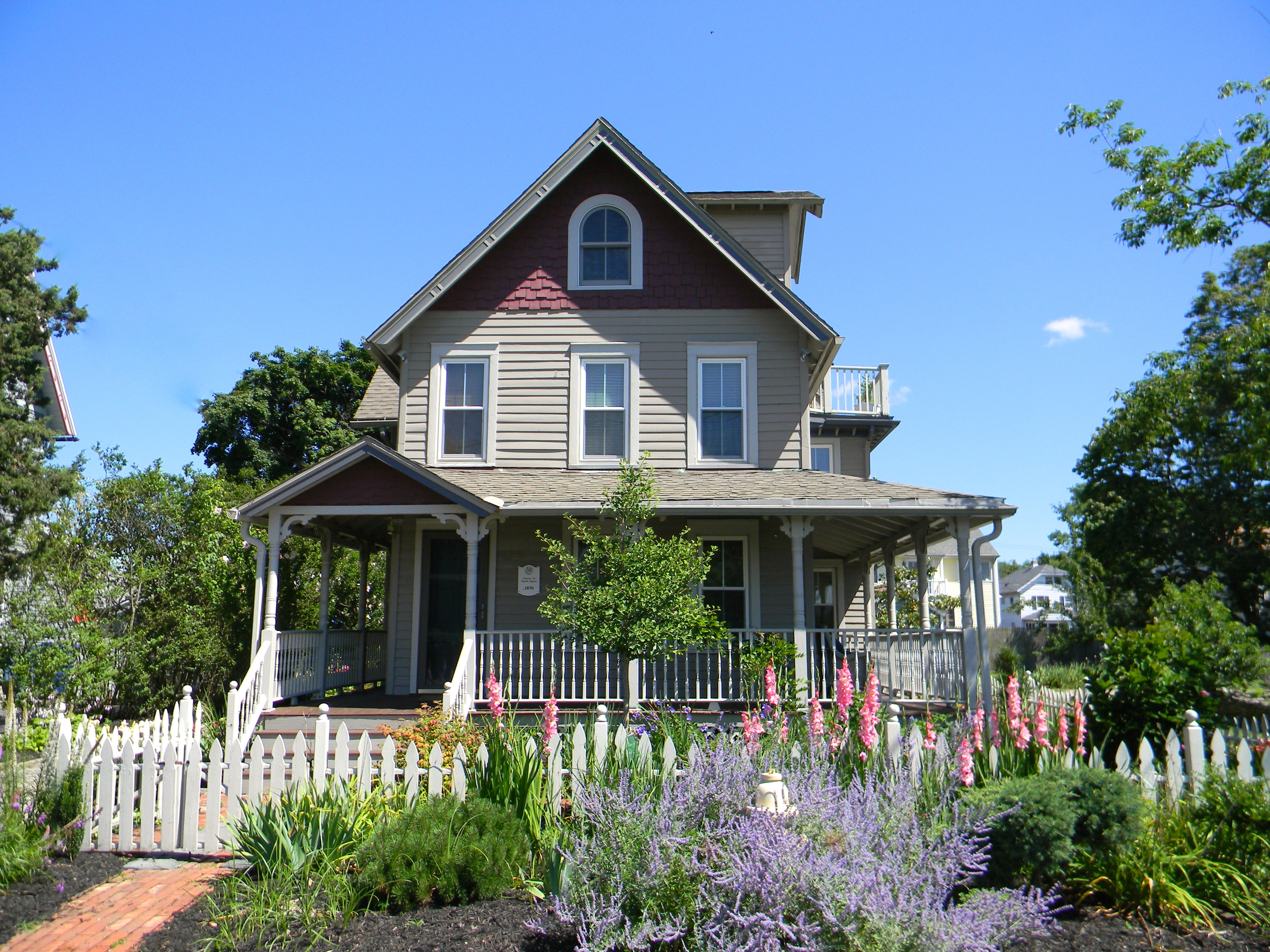 獨棟家庭住宅 為 出售 在 16 Burwell Street Norwalk, 康涅狄格州 06854 美國