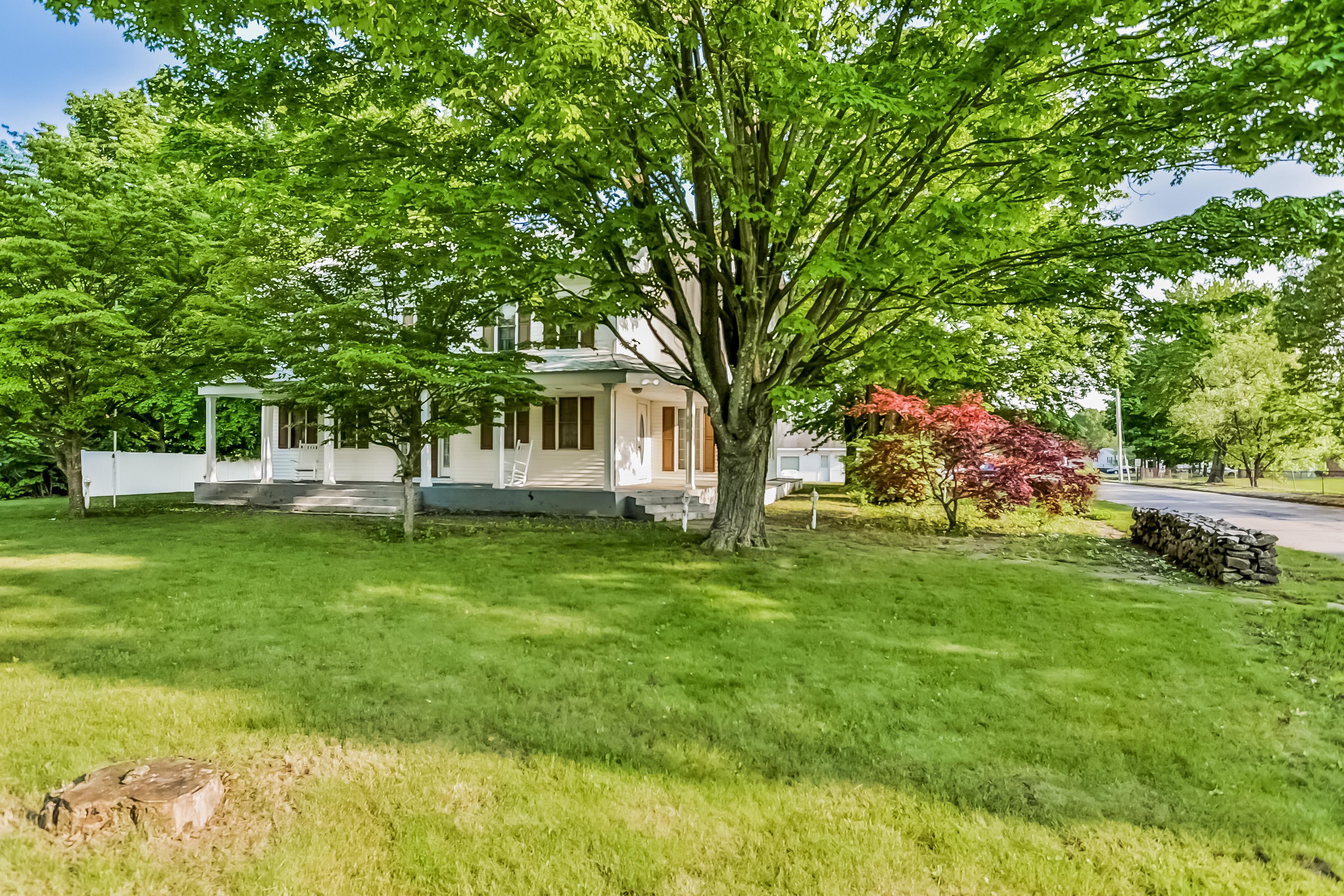"""Nhà ở một gia đình vì Bán tại 2 Maple """" On the Green"""" 2 Maple Ave North Haven, Connecticut, 06473 Hoa Kỳ"""