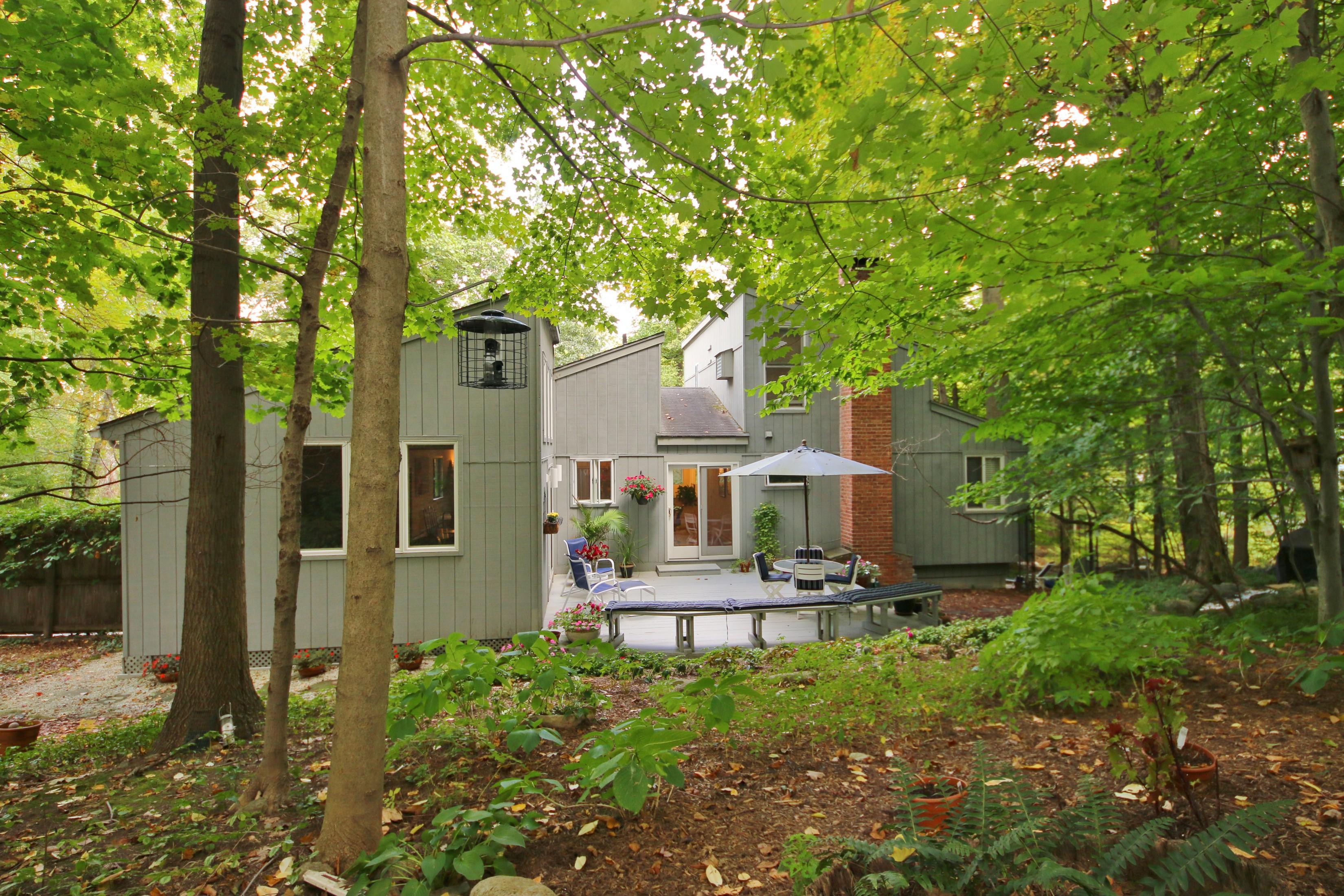 Casa para uma família para Venda às Ultra Chic Meets Private Retreat 67 Mamanasco Road Ridgefield, Connecticut, 06877 Estados Unidos