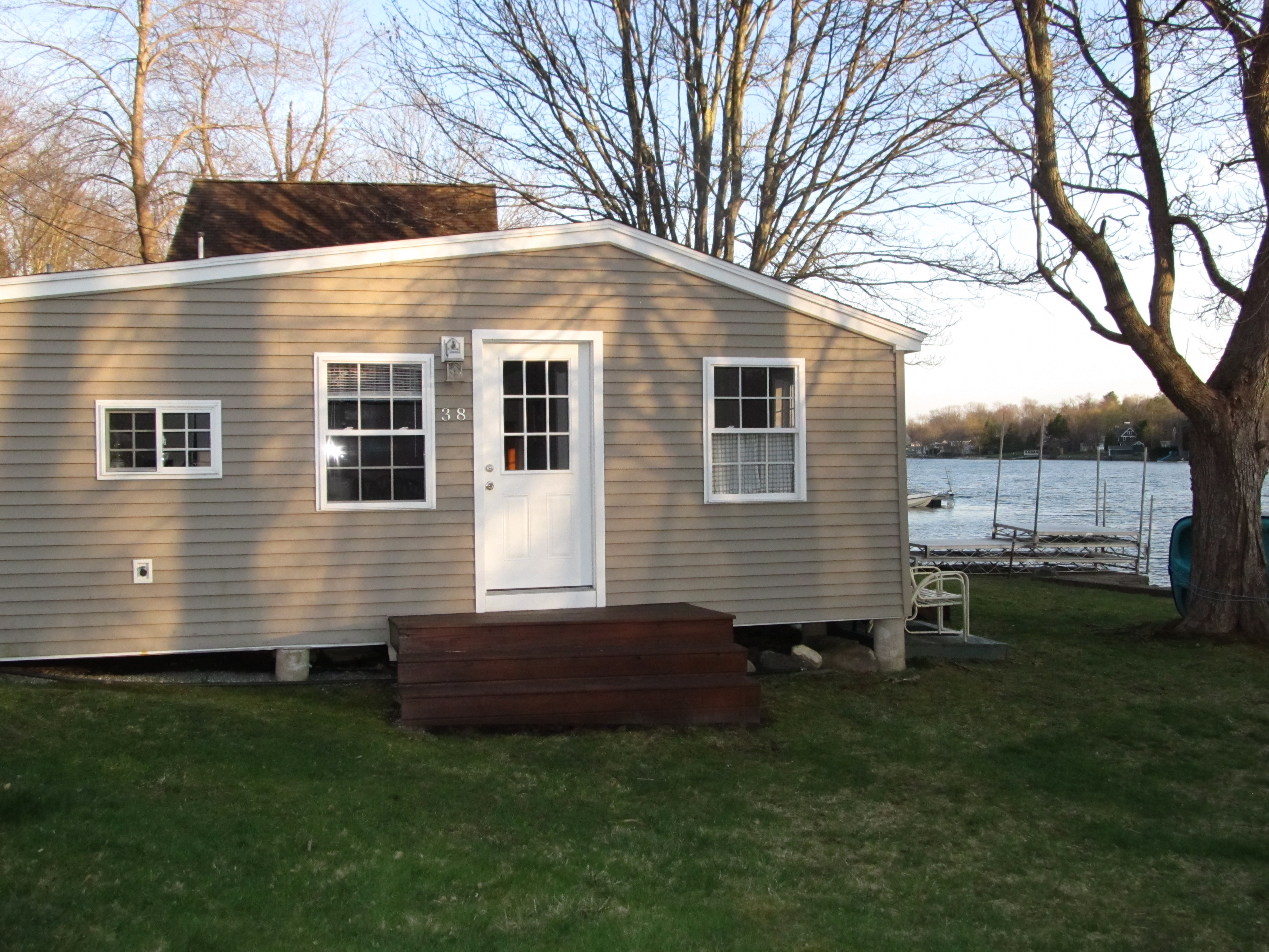 sales property at Direct waterfront cottage