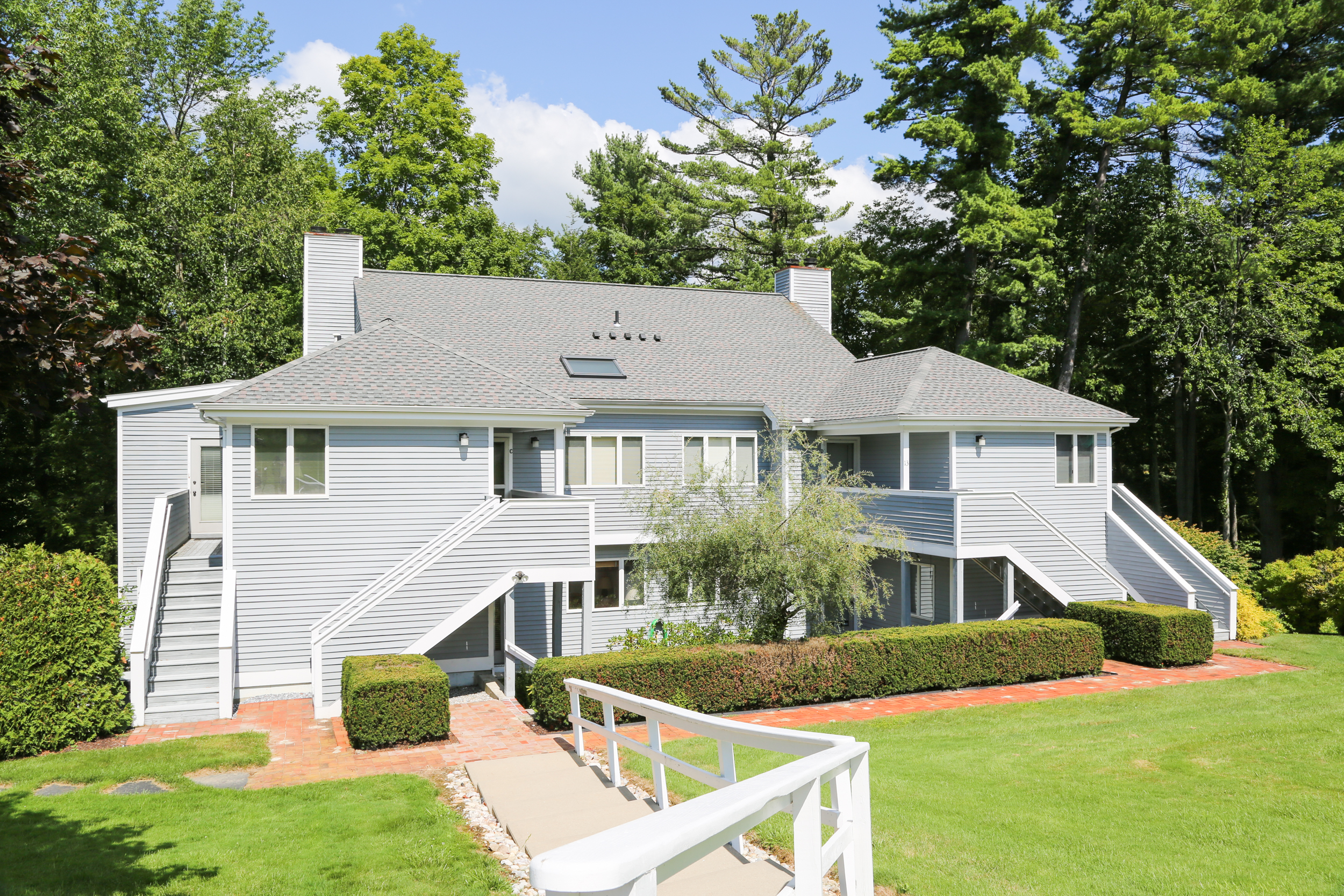 Condominio por un Venta en Turn-Key Berkshires Condo - Renovated to the Nines! 770 Summer St Lenox, Massachusetts, 01240 Estados Unidos