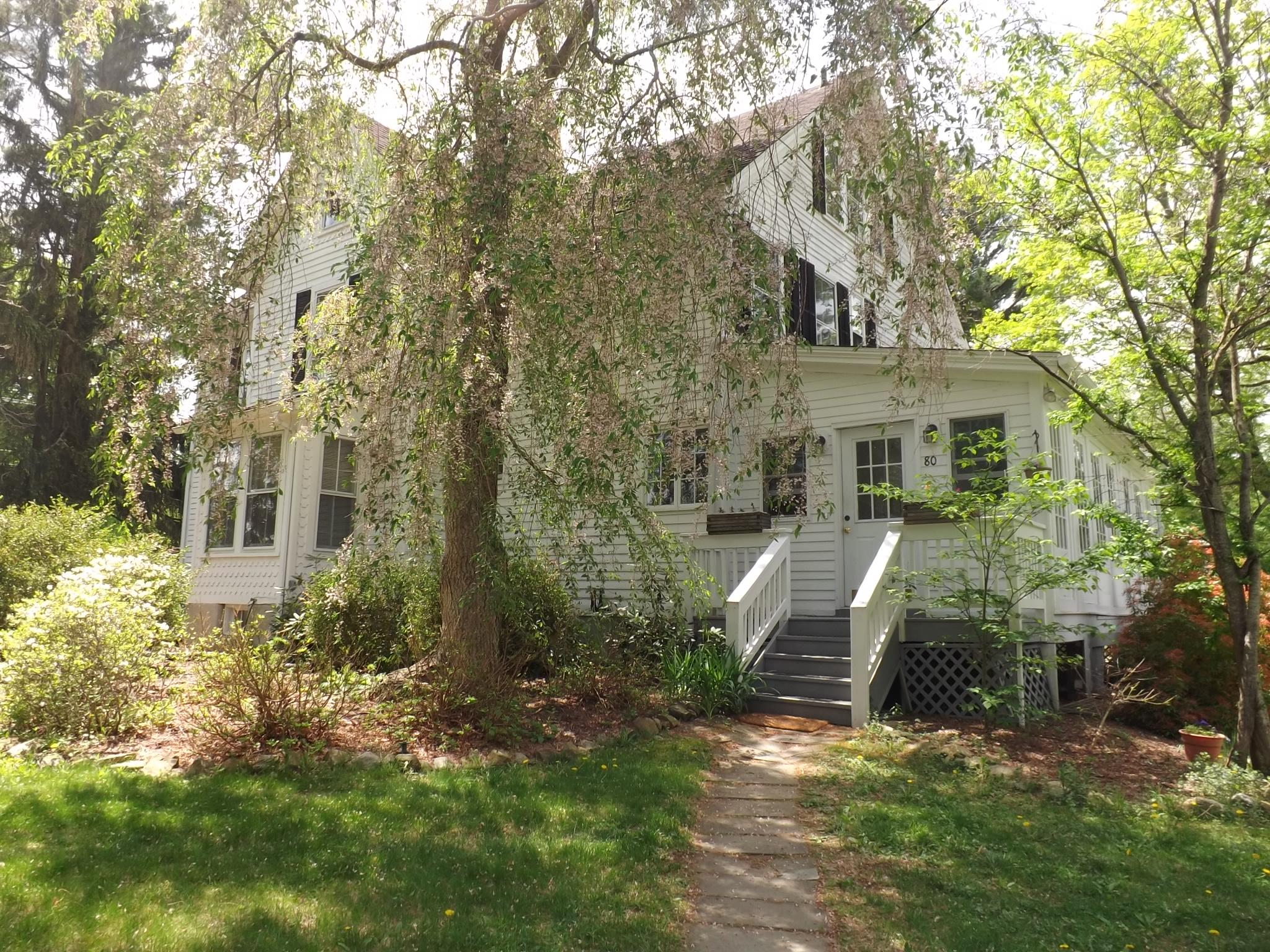Частный односемейный дом для того Продажа на Antique Colonial 80 Obtuse Hill Road Brookfield, Коннектикут 06804 Соединенные Штаты