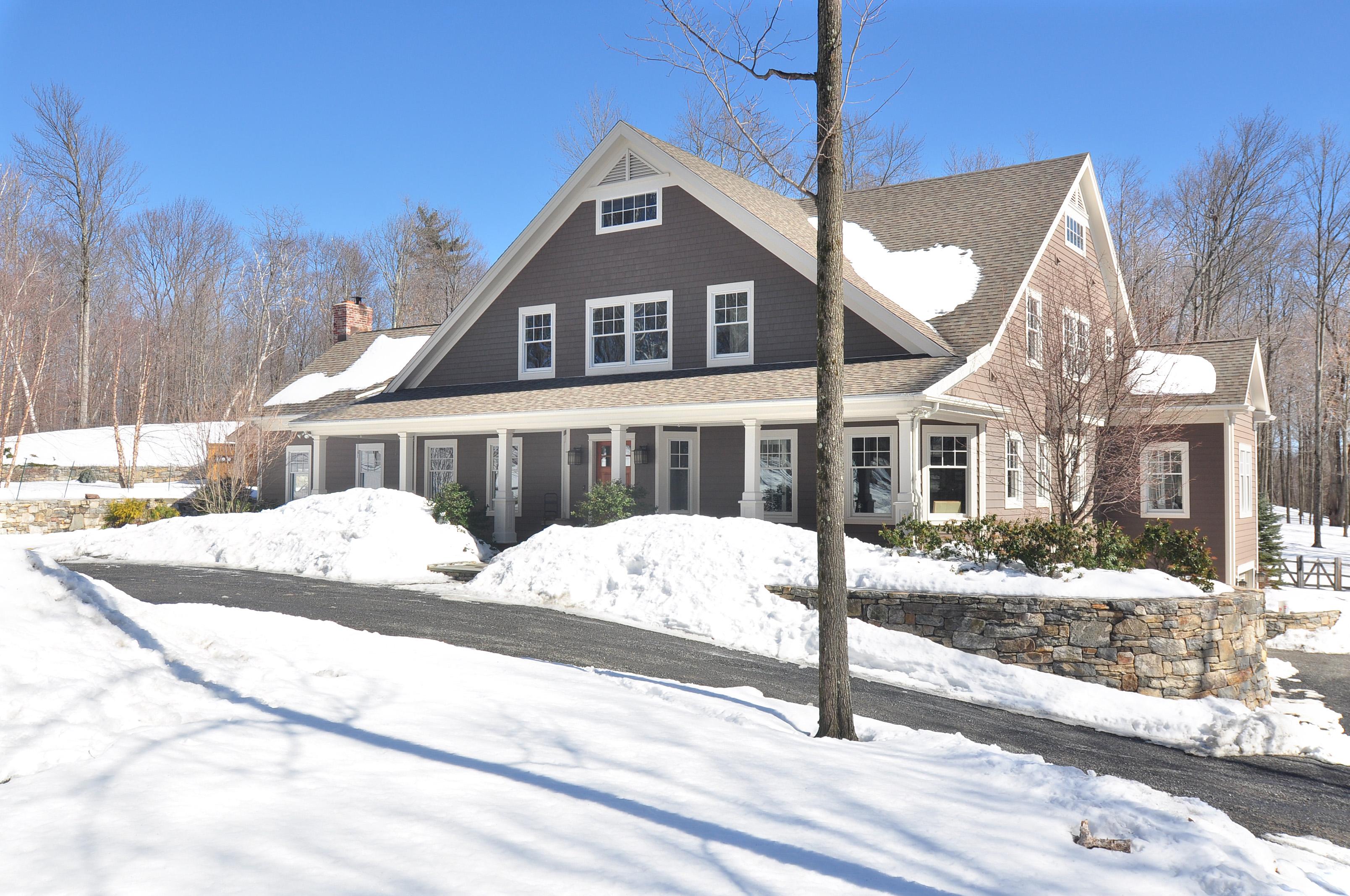 Maison unifamiliale pour l Vente à Spacious Egremont Contemporary 28 Ox Bow Rd Egremont, Massachusetts 01258 États-Unis