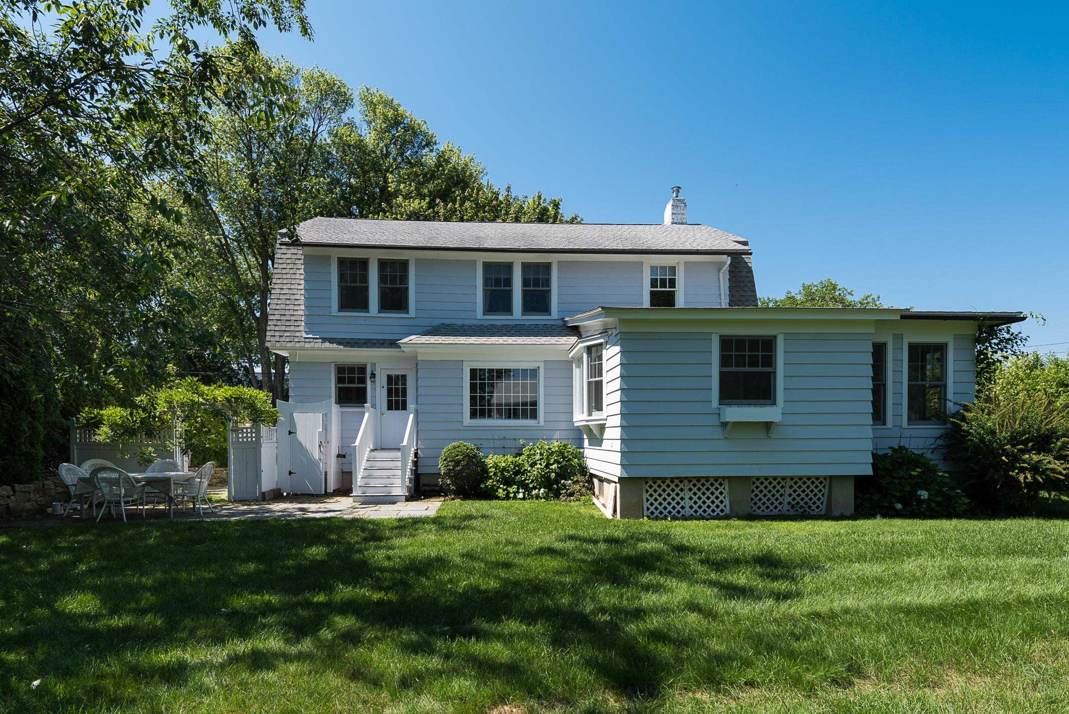 Einfamilienhaus für Verkauf beim 12 Flower Ave Madison, Connecticut 06443 Vereinigte Staaten