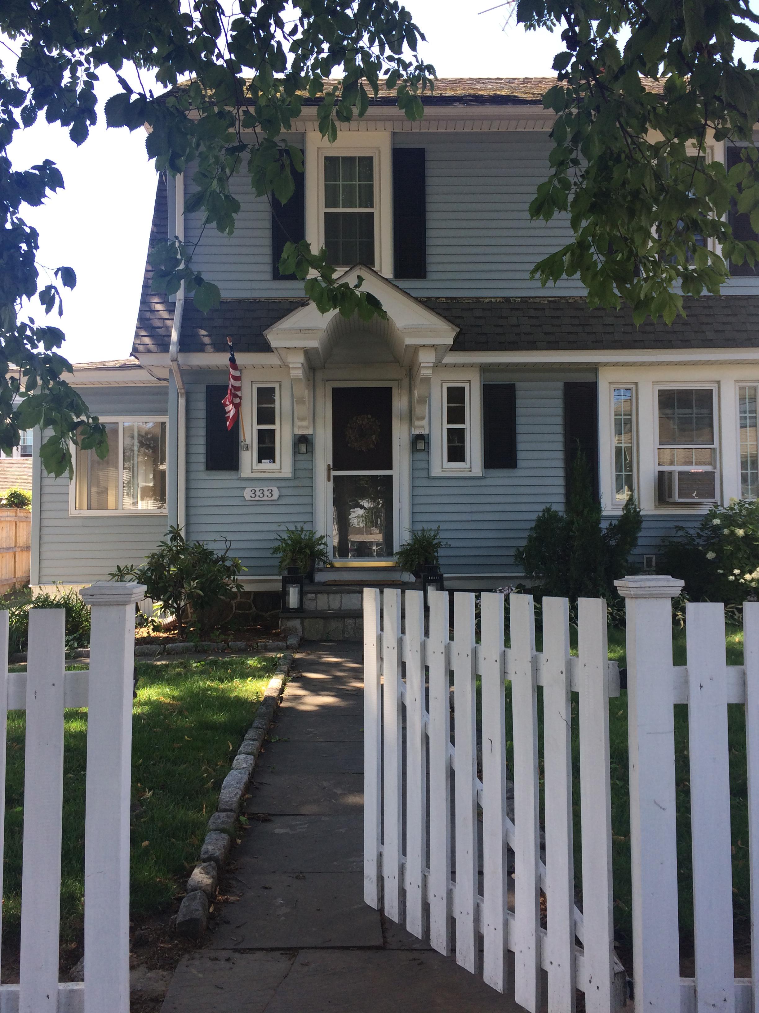 Частный односемейный дом для того Продажа на Black Rock on the Sound 333 Grovers Avenue Bridgeport, Коннектикут, 06605 Соединенные Штаты