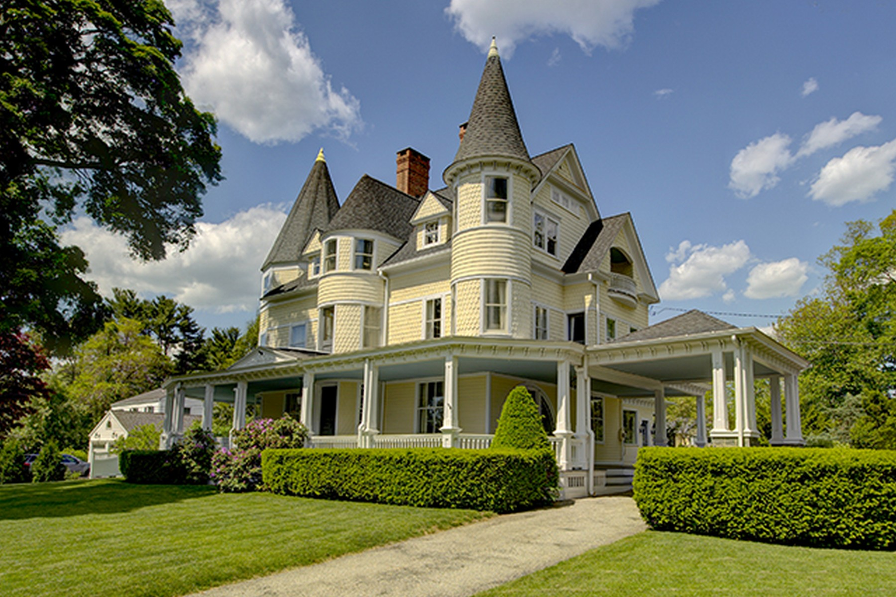 Single Family Home for Sale at Joel Farist House, One of Fairfield's Most Treasured Historic Homes 220 Farist Road Fairfield, Connecticut 06825 United States