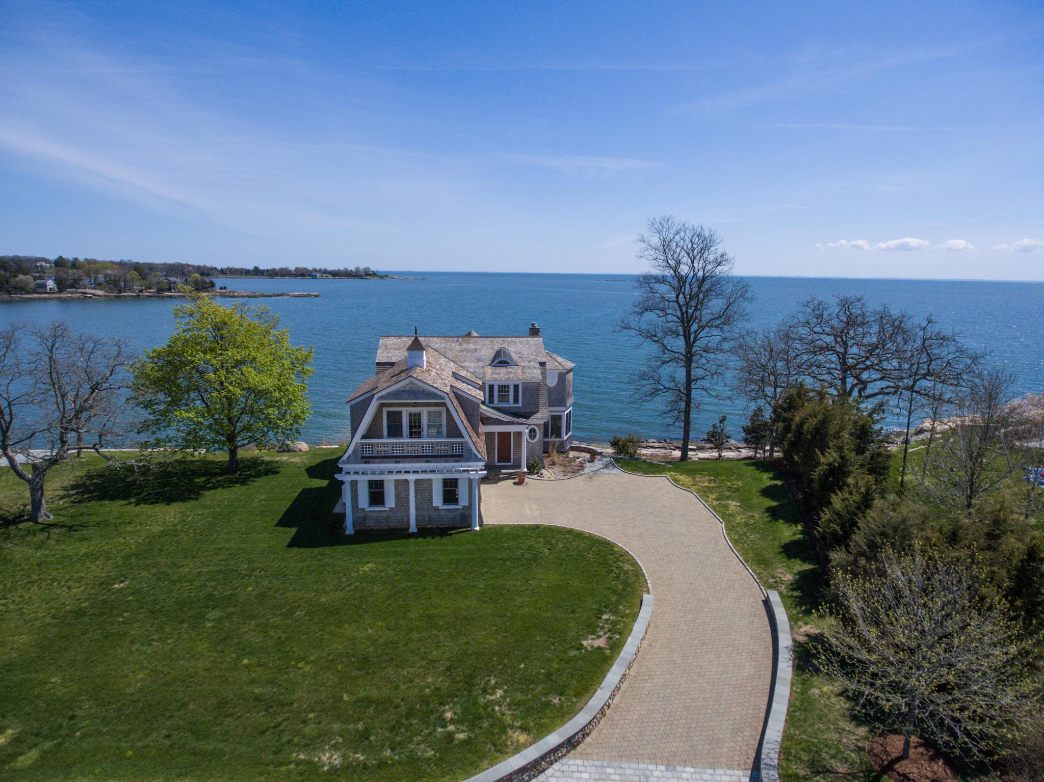 独户住宅 为 销售 在 171 Andrews Rd 吉尔福德, 康涅狄格州, 06437 美国