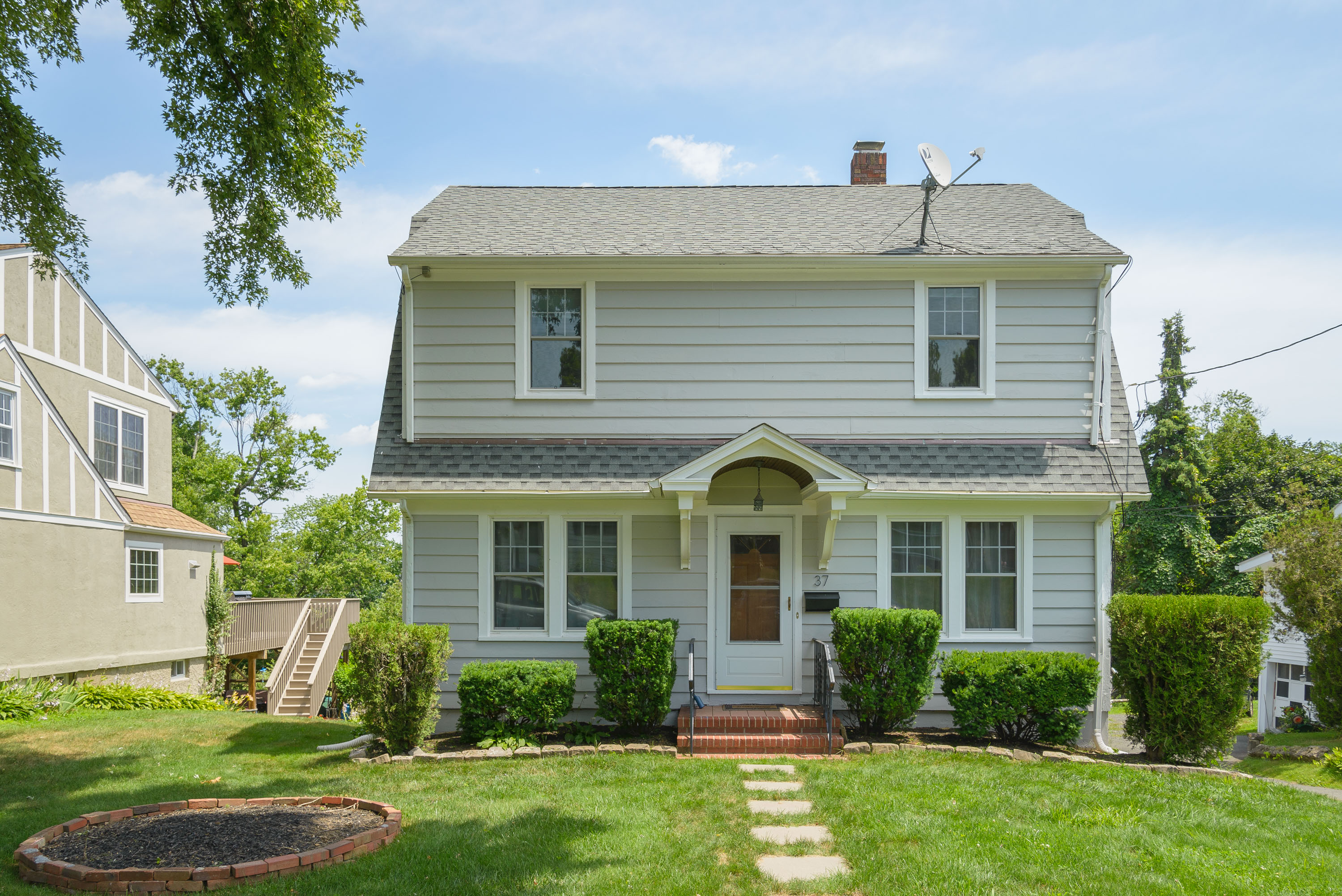 Single Family Home for Sale at Classic Colonial 37 Olive Street Danbury, Connecticut, 06810 United States