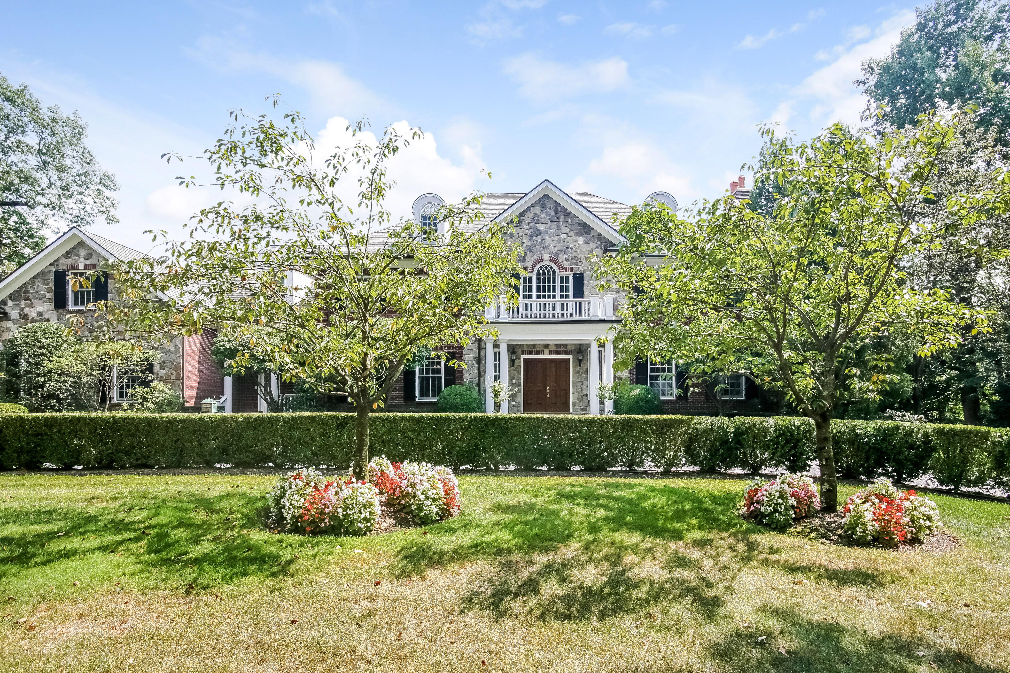 Casa para uma família para Venda às 46 Stratford Road Harrison, Nova York 10528 Estados Unidos