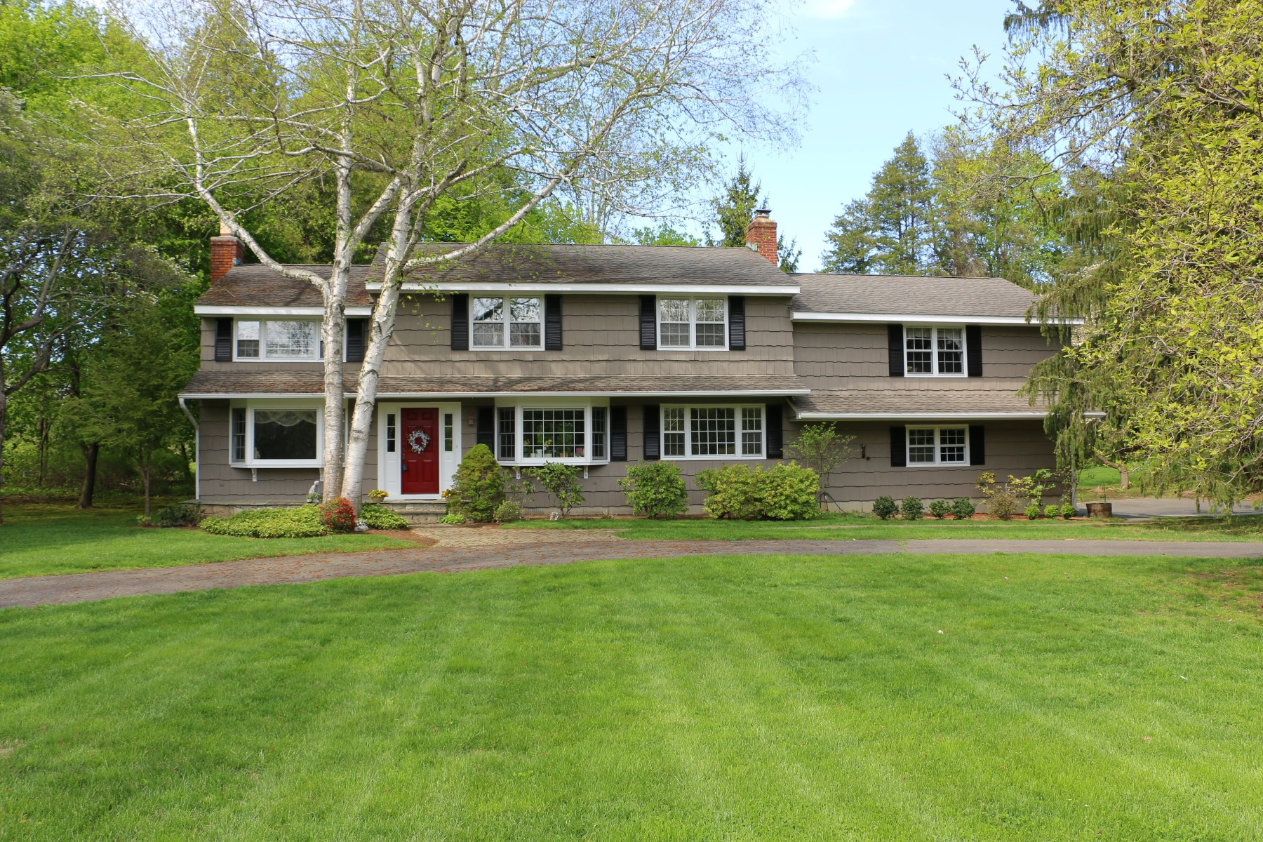 Vivienda unifamiliar por un Venta en Incredible Pride of Ownership 1 Mimosa Circle Ridgefield, Connecticut, 06877 Estados Unidos