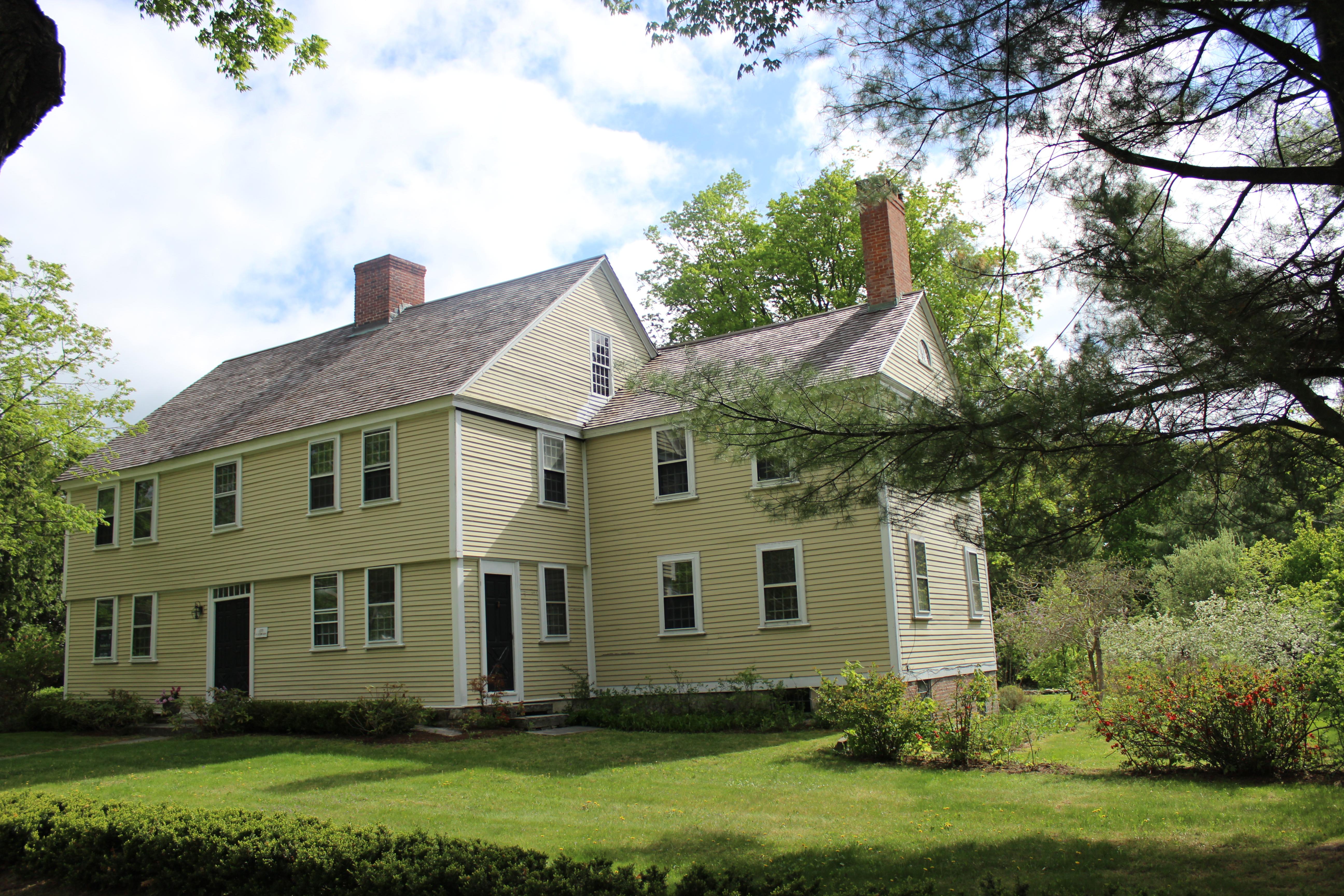 Casa Unifamiliar por un Venta en The Doctor Reuben Smith House 74 North St Litchfield, Connecticut 06759 Estados Unidos