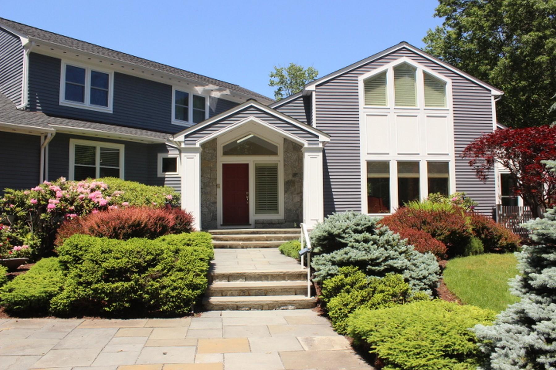 一戸建て のために 売買 アット Scenic Water Views 124 Partrick Avenue Norwalk, コネチカット, 06851 アメリカ合衆国