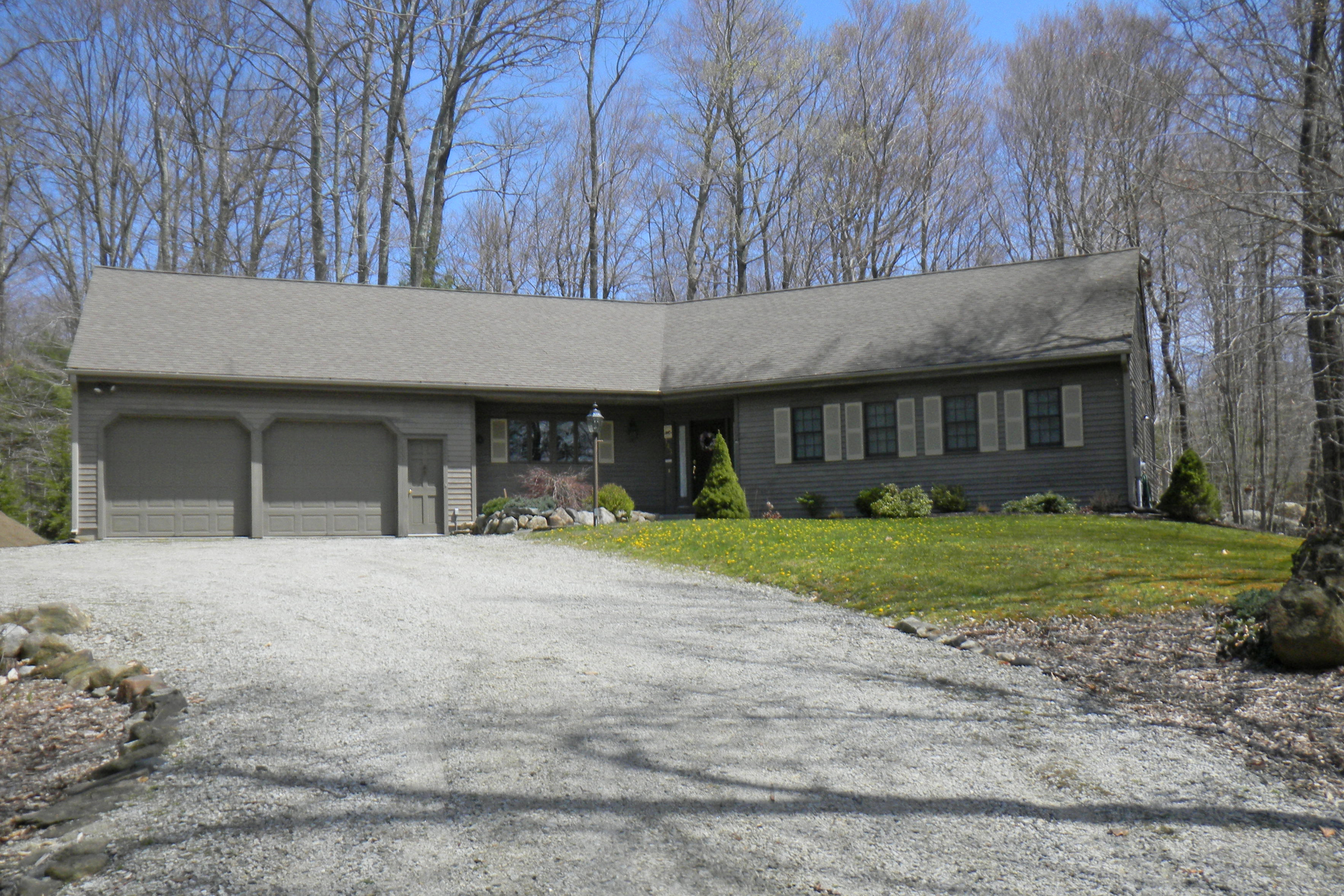 Maison unifamiliale pour l Vente à Expansive Single Level 143 Wellsford Dr Goshen, Connecticut, 06756 États-Unis