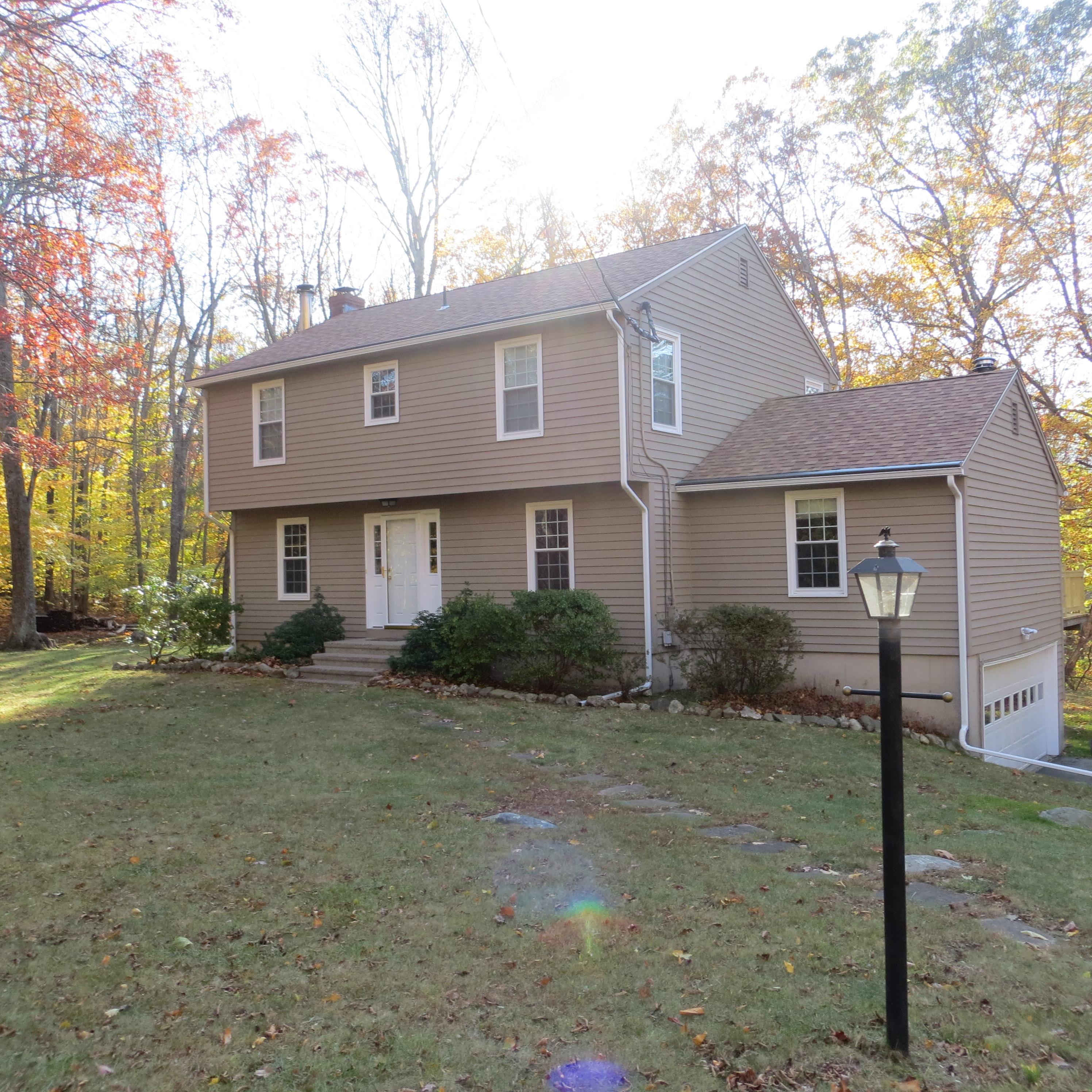 Casa Unifamiliar por un Venta en Rustic Lane 25 Rustic Lane Madison, Connecticut 06443 Estados Unidos