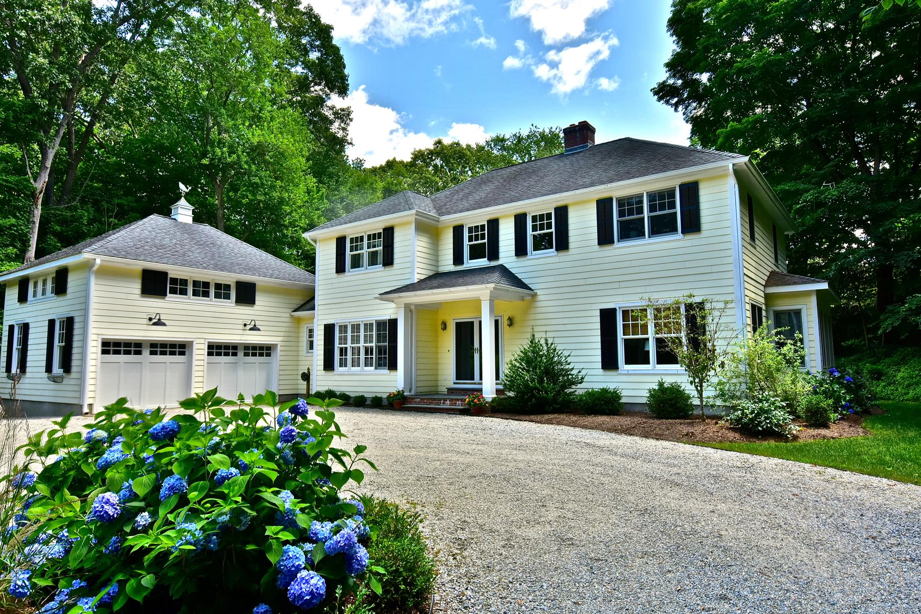Moradia para Venda às Maine Coastal Cottage Style Home 17 Laurel Rd Essex, Connecticut 06426 Estados Unidos