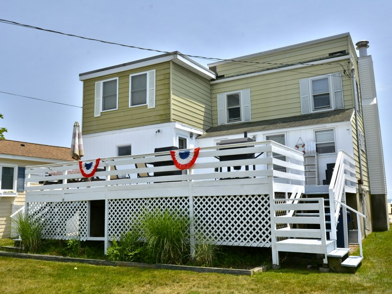 Single Family Home for Sale at Your Own Sandy Beach 39 Seaside Lane Old Lyme, Connecticut 06371 United States