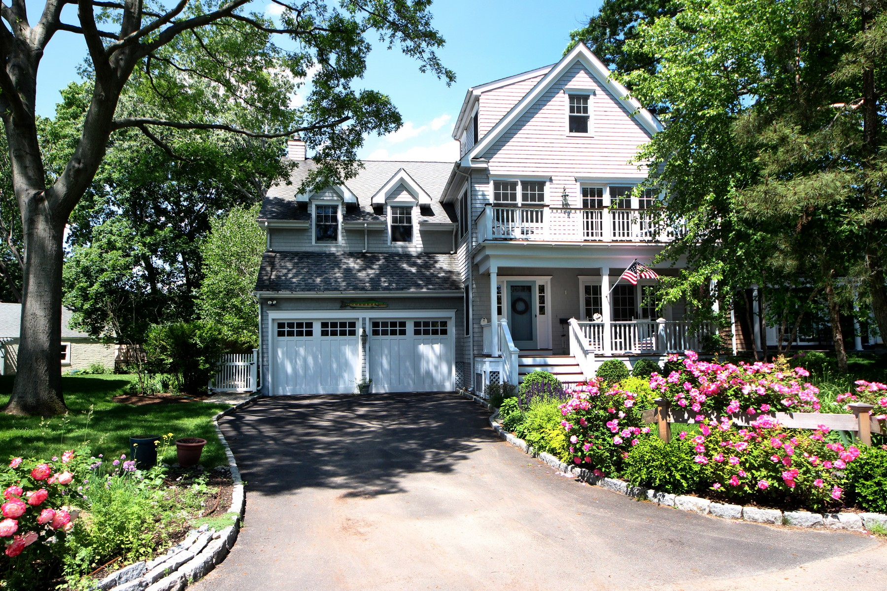 Casa Unifamiliar por un Venta en Rowayton Beach Association 3 Crooked Lane Rowayton, Norwalk, Connecticut, 06853 Estados Unidos