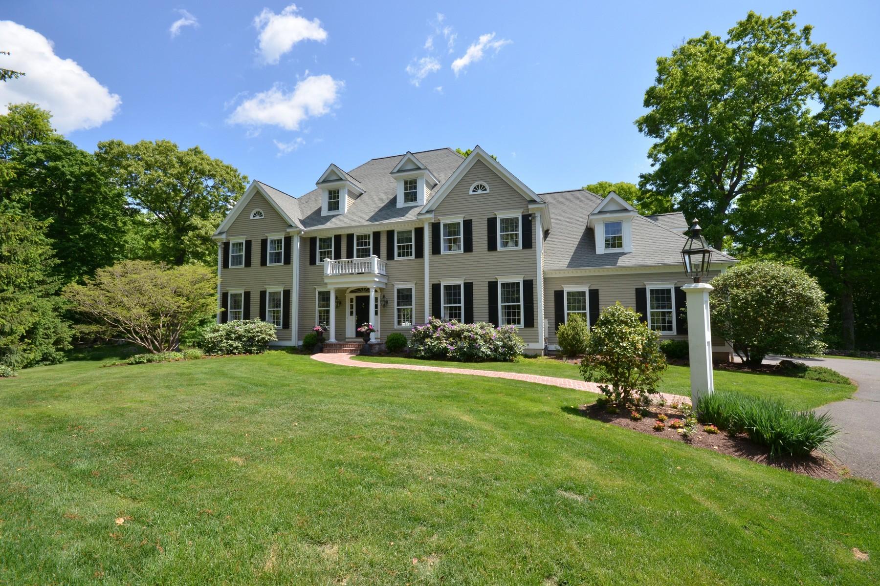 Maison unifamiliale pour l Vente à West Mountain Estates Colonial 48 Wild Turkey Court Ridgefield, Connecticut 06877 États-Unis