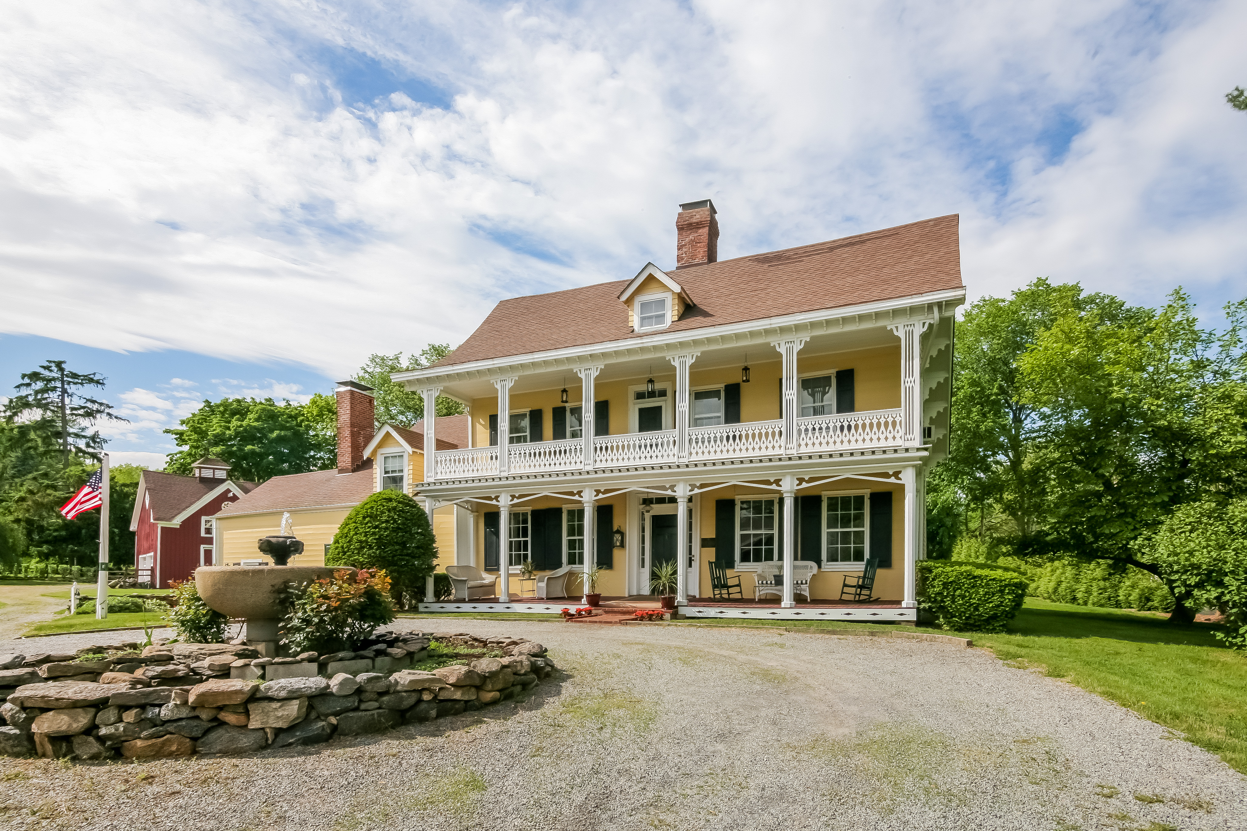 Single Family Home for Sale at The Griffen Homestead 1152 Old White Plains Road Mamaroneck, New York 10543 United States