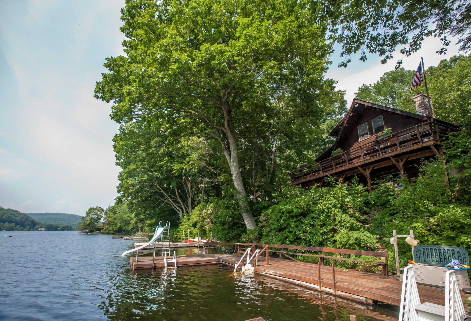 Einfamilienhaus für Verkauf beim 522 Lake Dr Guilford, Connecticut 06437 Vereinigte Staaten