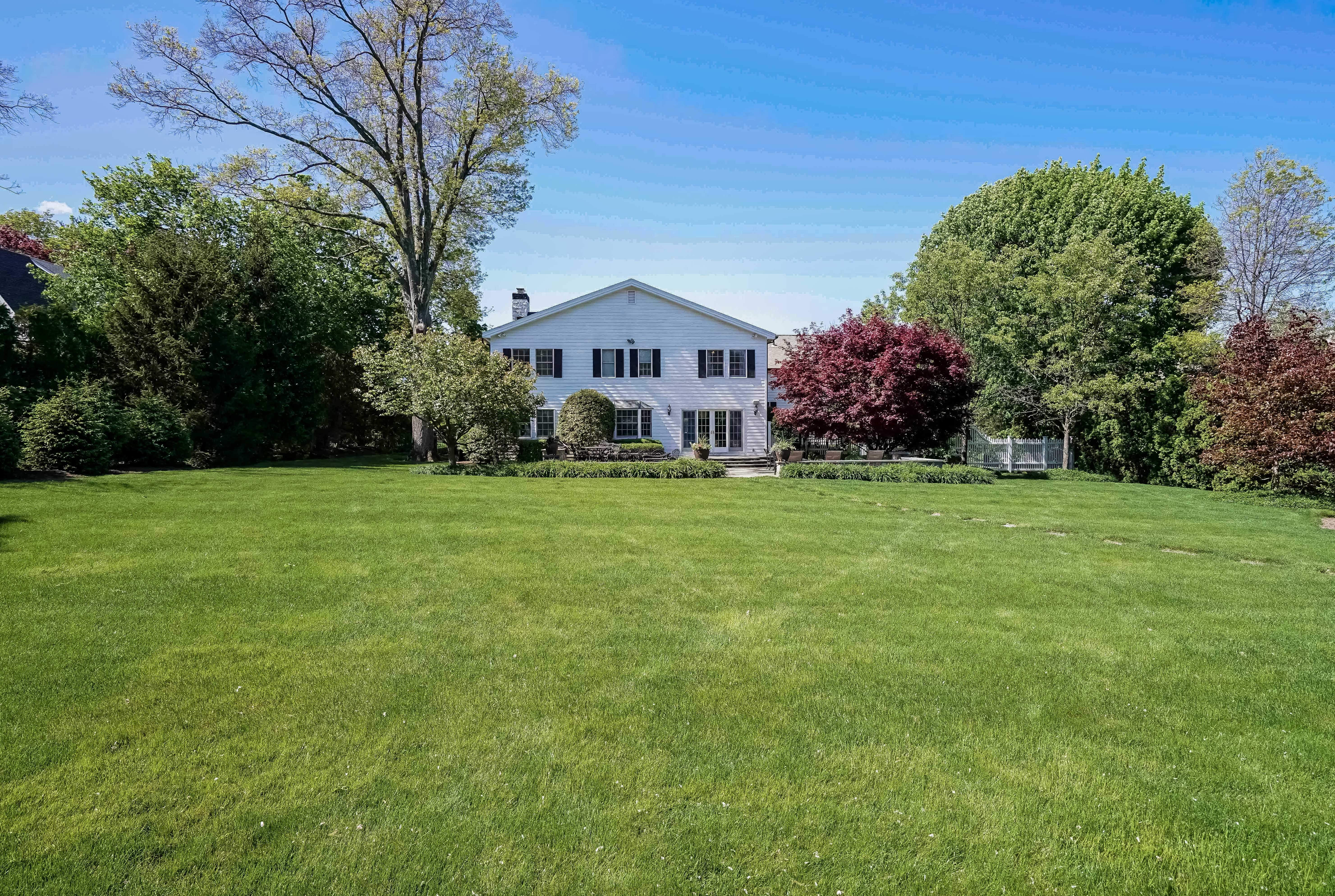 Single Family Home for Sale at Beautiful Colonial 9 Bradford Road Scarsdale, New York, 10583 United States