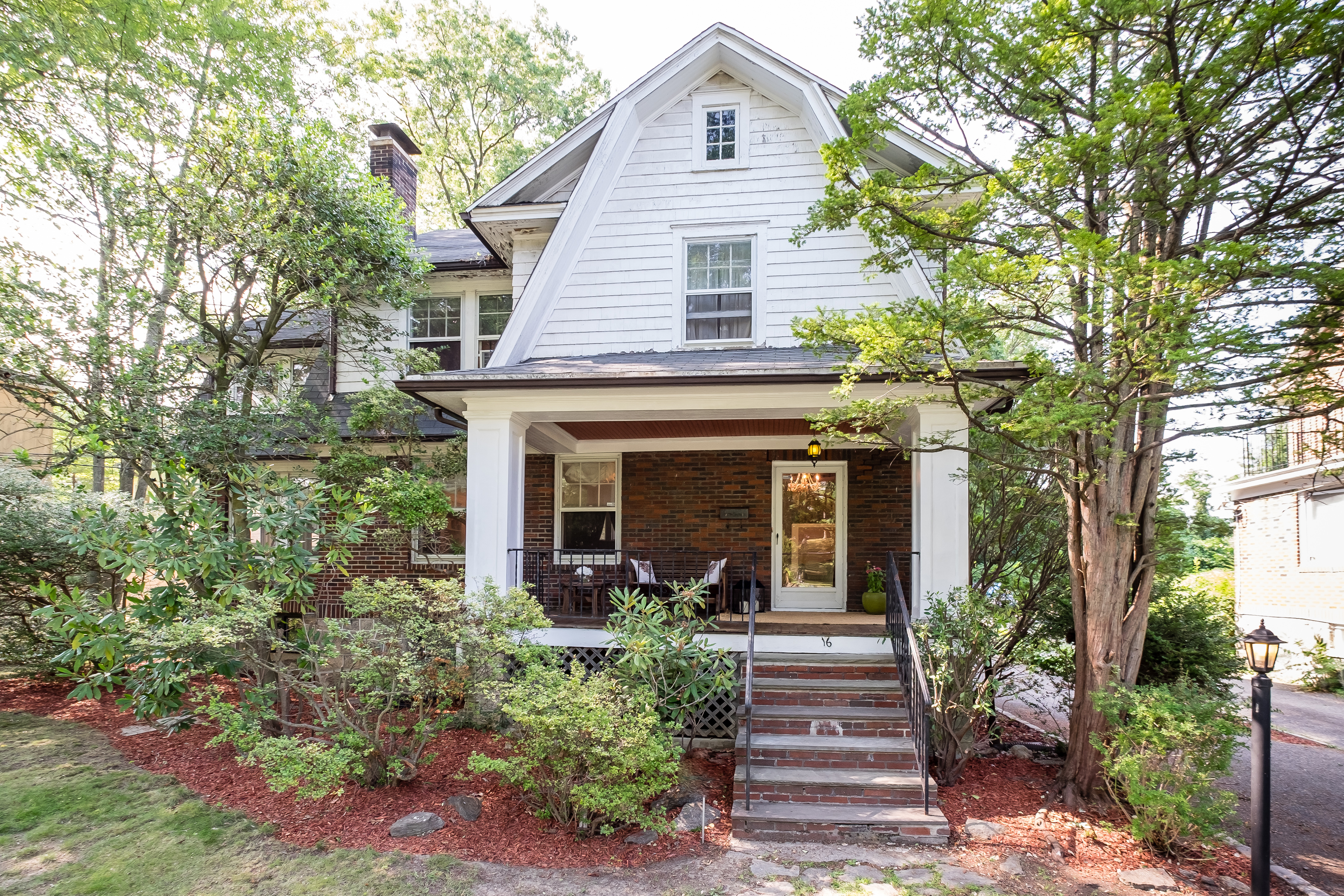 Single Family Home for Sale at Welcome Home 16 Pierce Street New Rochelle, New York, 10801 United States