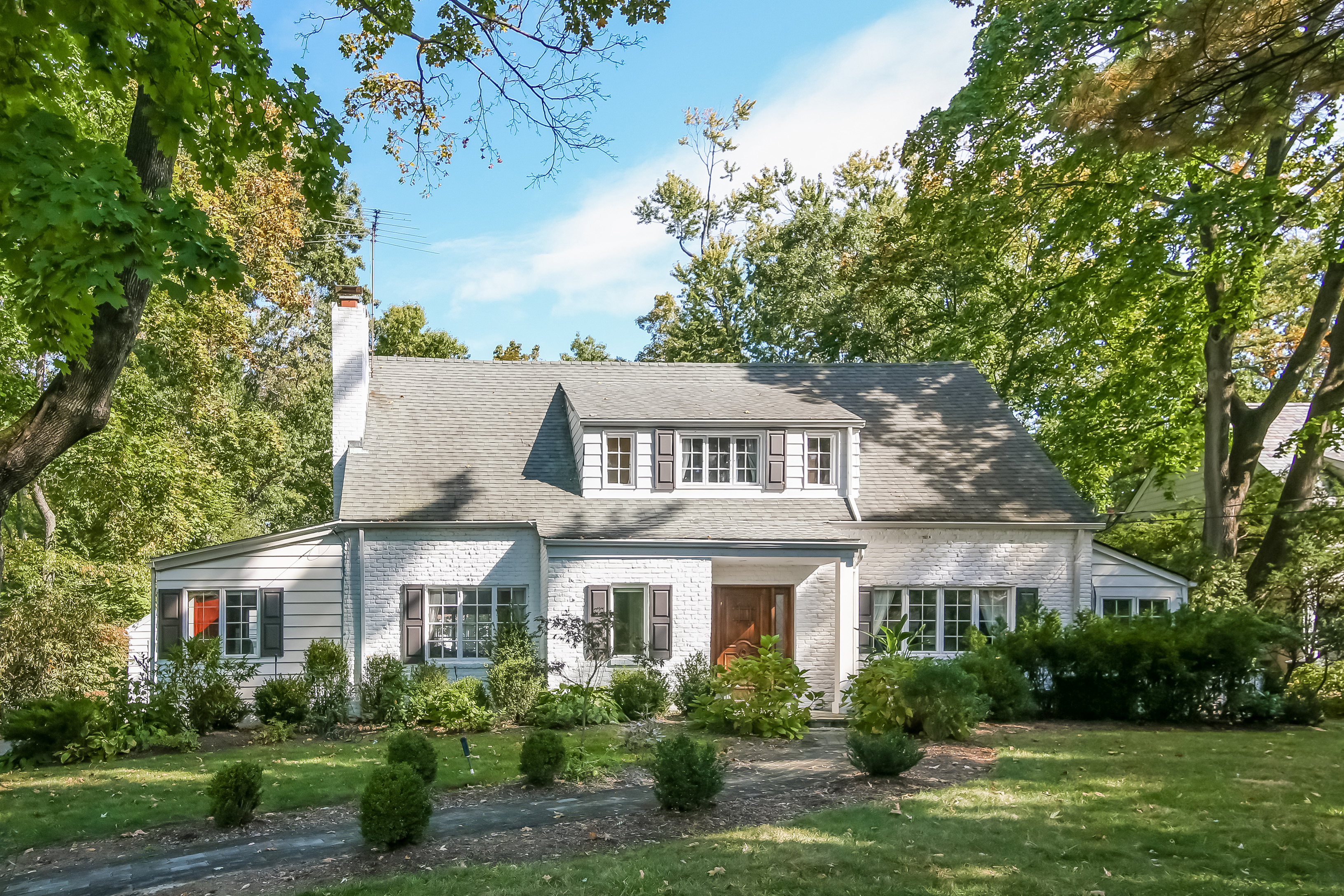 Single Family Home for Sale at Stunning Scarsdale Colonial 25 Fairview Road Scarsdale, New York, 10583 United States