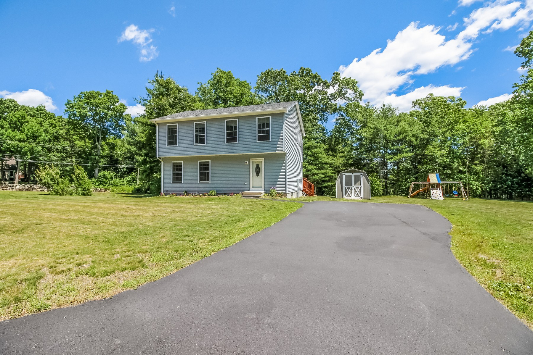 Einfamilienhaus für Verkauf beim Live in Camelot 2 Camelot Lane Griswold, Connecticut, 06351 Vereinigte Staaten