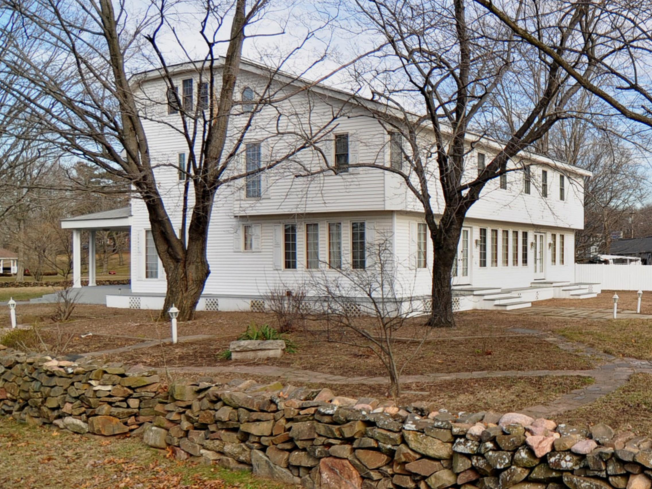 Einfamilienhaus für Verkauf beim On The Green 2 Maple Avenue North Haven, Connecticut 06473 Vereinigte Staaten