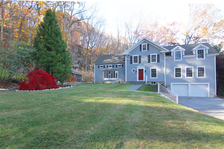 Maison unifamiliale pour l Vente à A Rare Find 74 Horseshoe Road Wilton, Connecticut, 06897 États-Unis
