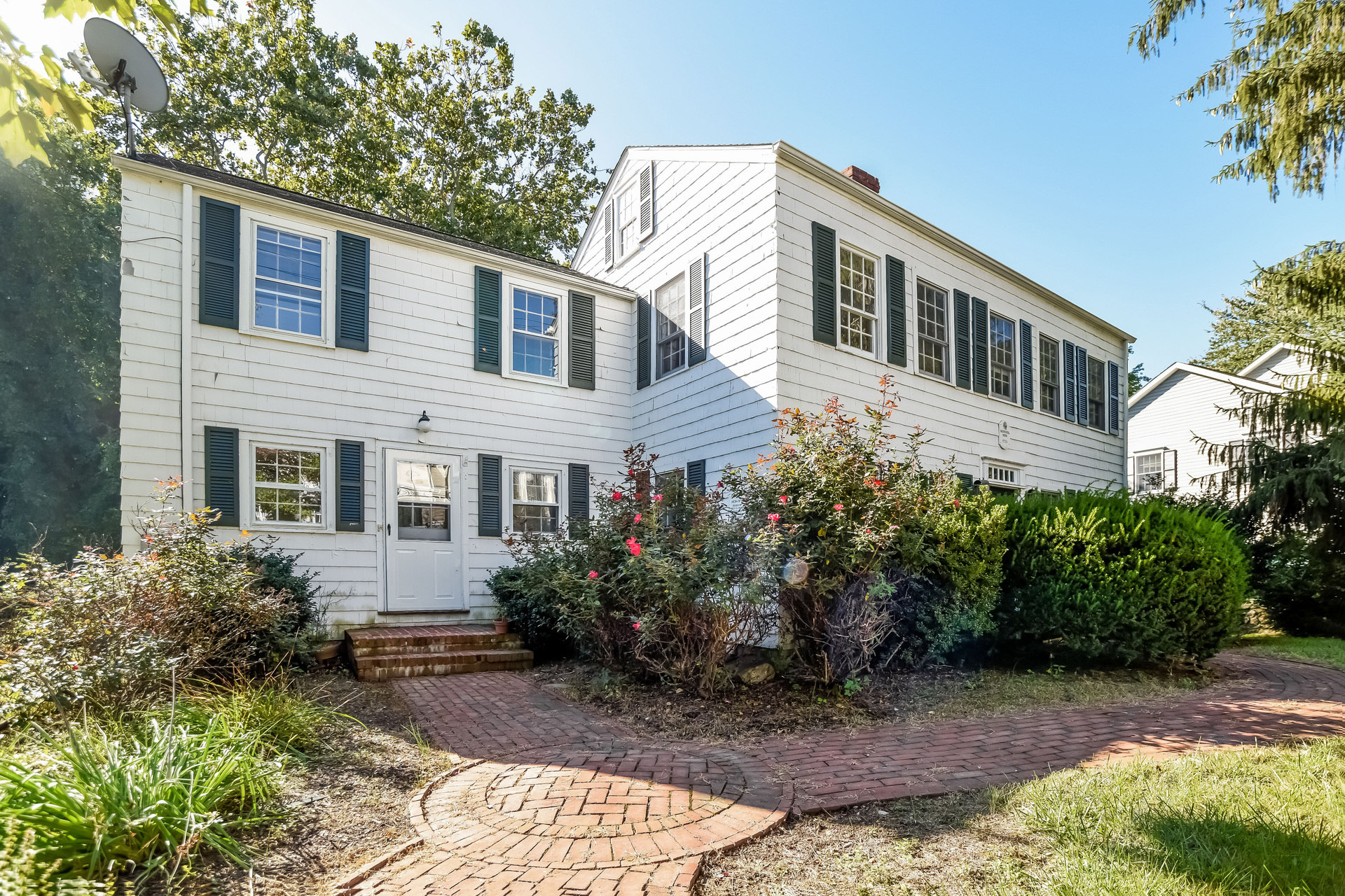 Single Family Home for Sale at 25 Brookside Rd Darien, Connecticut, 06820 United States