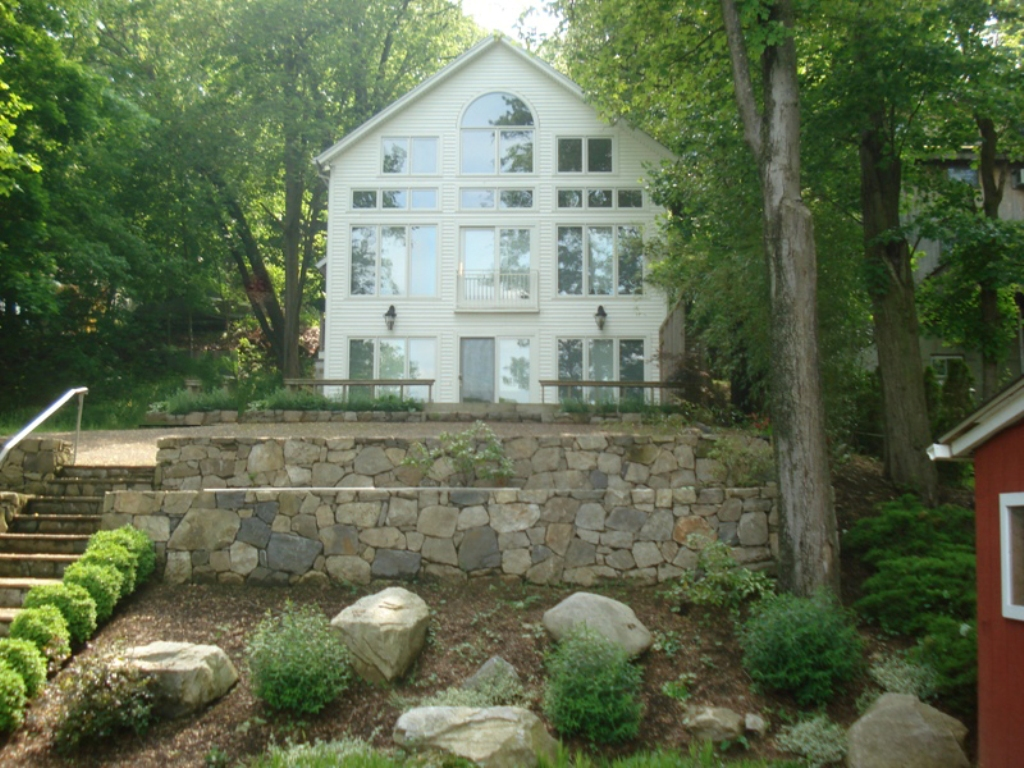 Villa per Vendita alle ore Custom Built Home 67 Cedar Street Danbury, Connecticut 06811 Stati Uniti