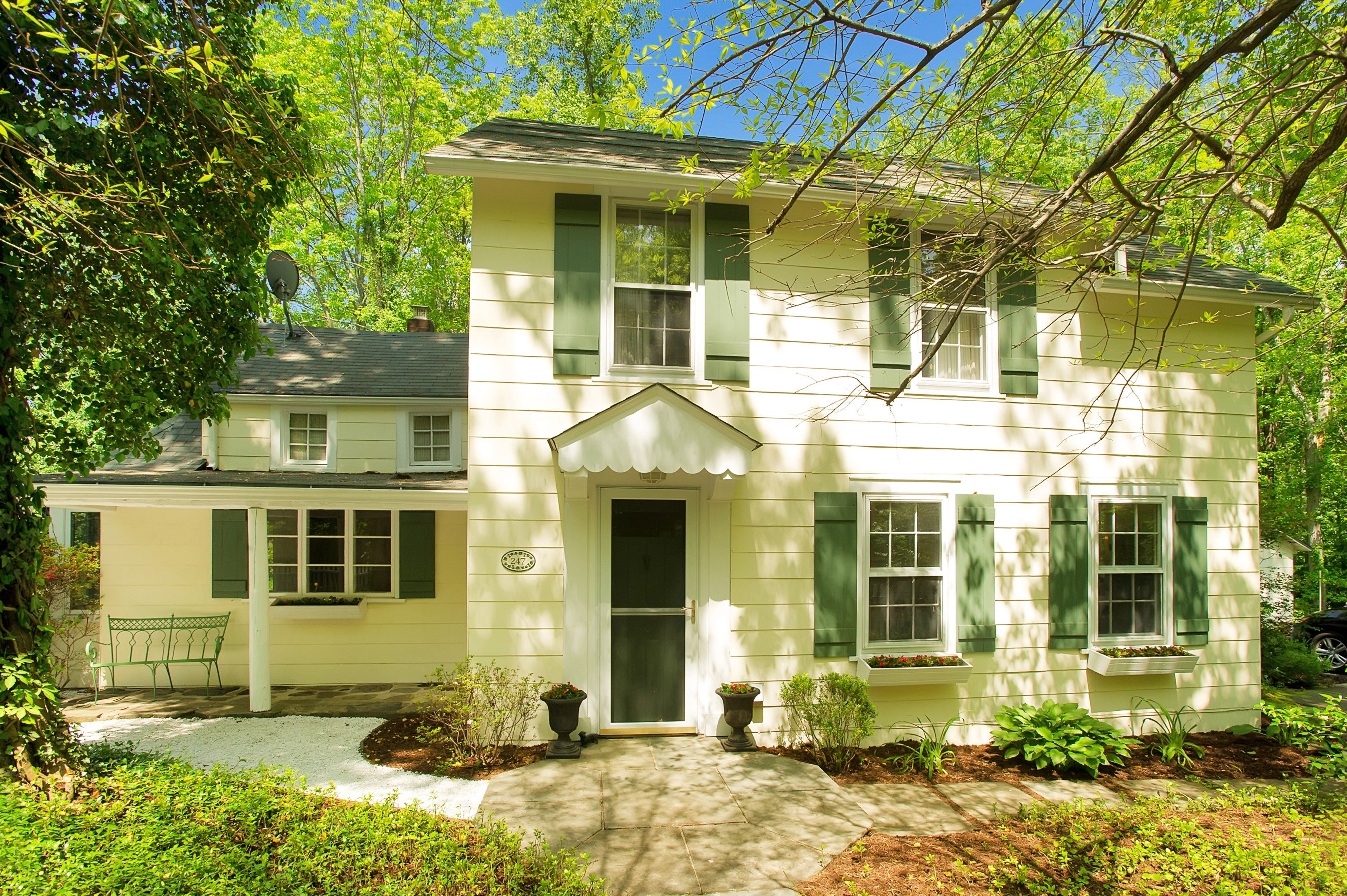 Single Family Home for Sale at North Stamford Farmhouse 247 Chestnut Hill Road Stamford, Connecticut, 06903 United States
