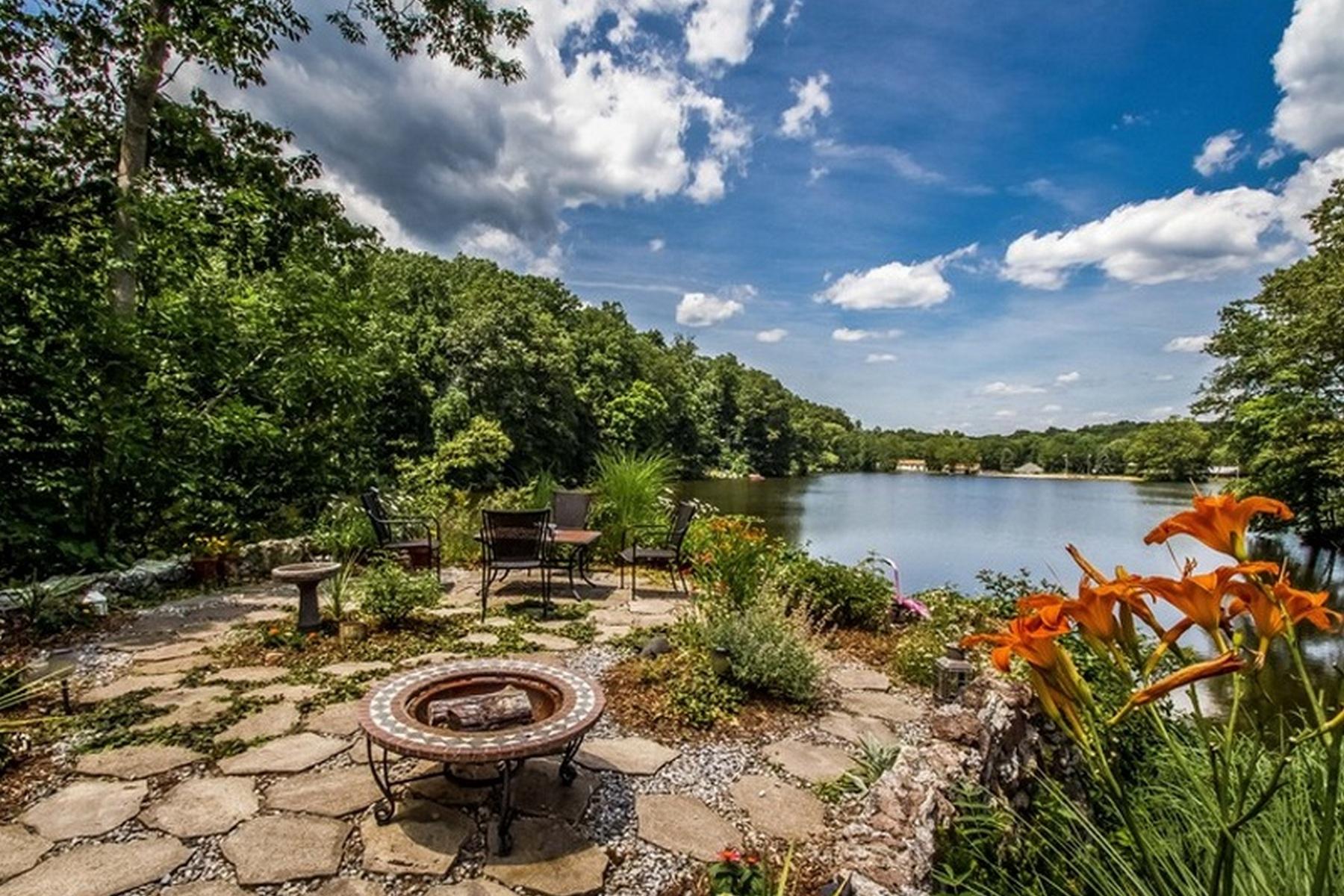 Einfamilienhaus für Verkauf beim 1197 West Lake Ave Guilford, Connecticut, 06437 Vereinigte Staaten