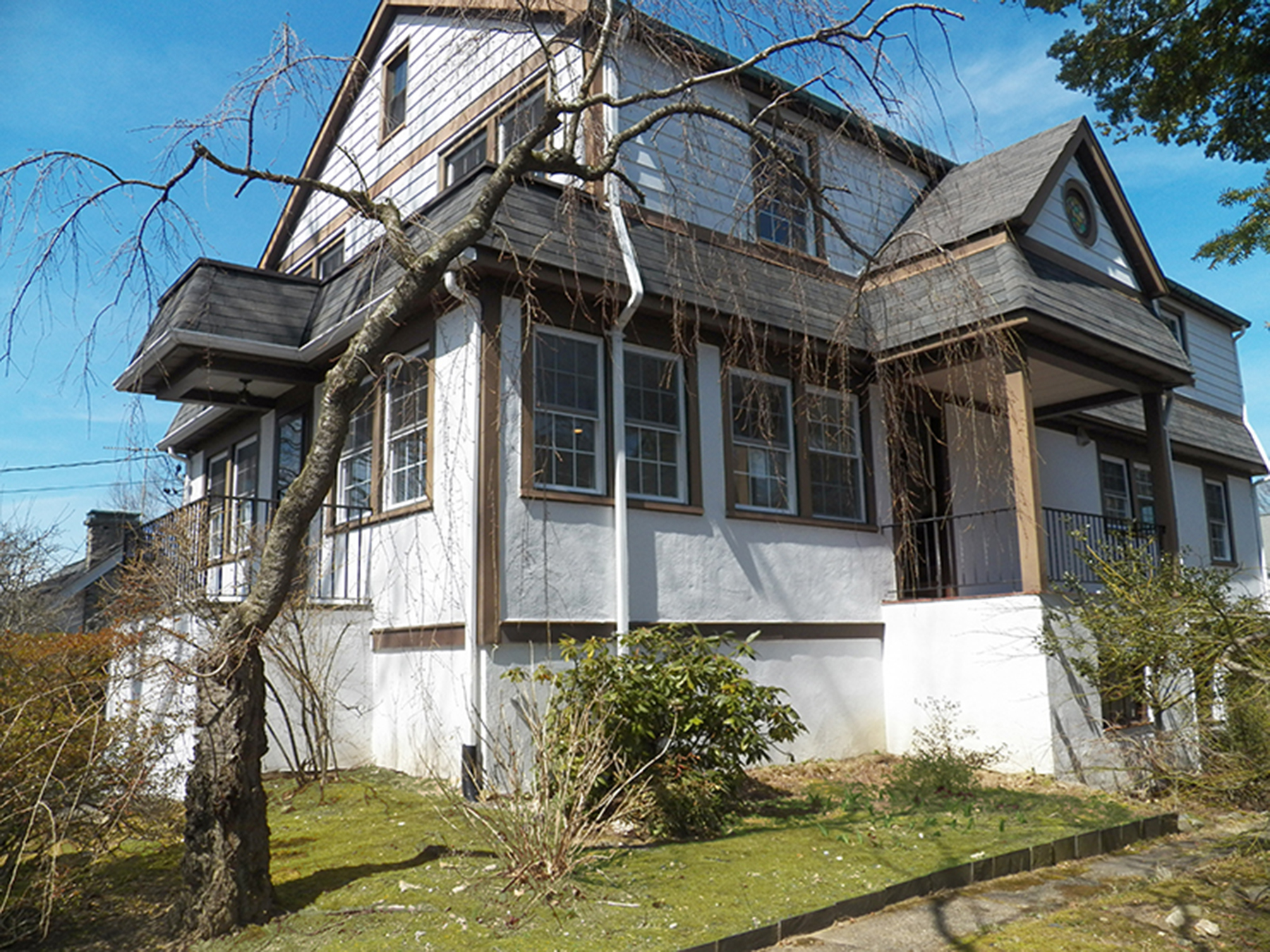 Single Family Home for Sale at Recently Renovated Colonial 27 Grand Boulevard Scarsdale, New York, 10583 United States